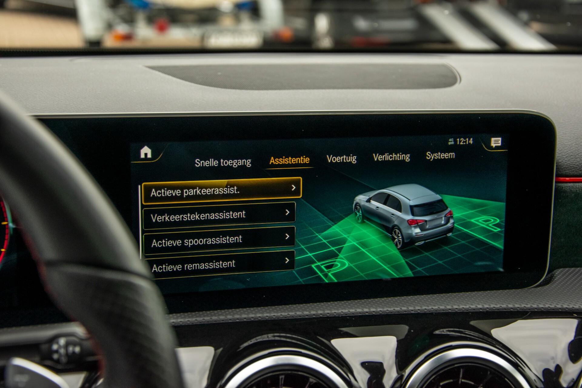 Mercedes-Benz A-Klasse 180 d AMG Panorama/MBUX/DAB/LED Aut7 Foto 25