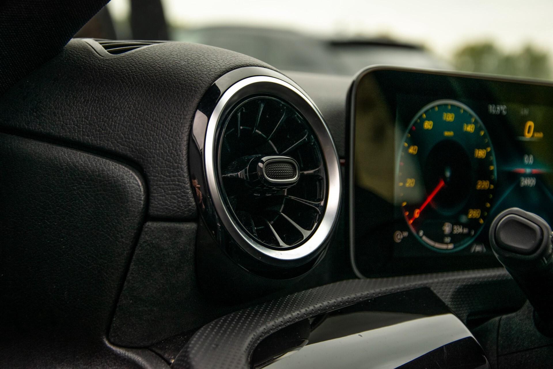 Mercedes-Benz A-Klasse 180 d AMG Panorama/MBUX/DAB/LED Aut7 Foto 34