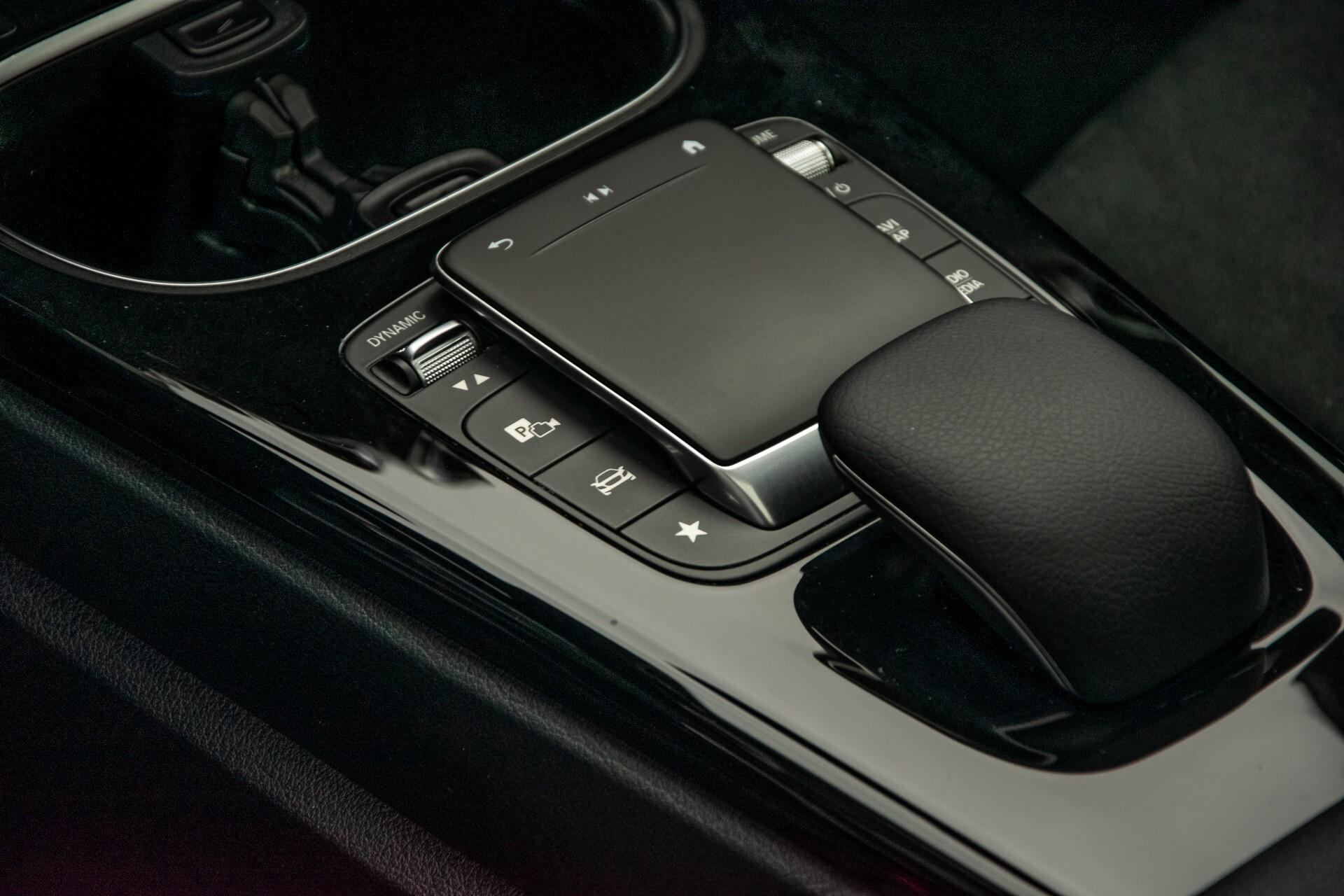 Mercedes-Benz A-Klasse 180 d AMG Panorama/MBUX/DAB/LED Aut7 Foto 36