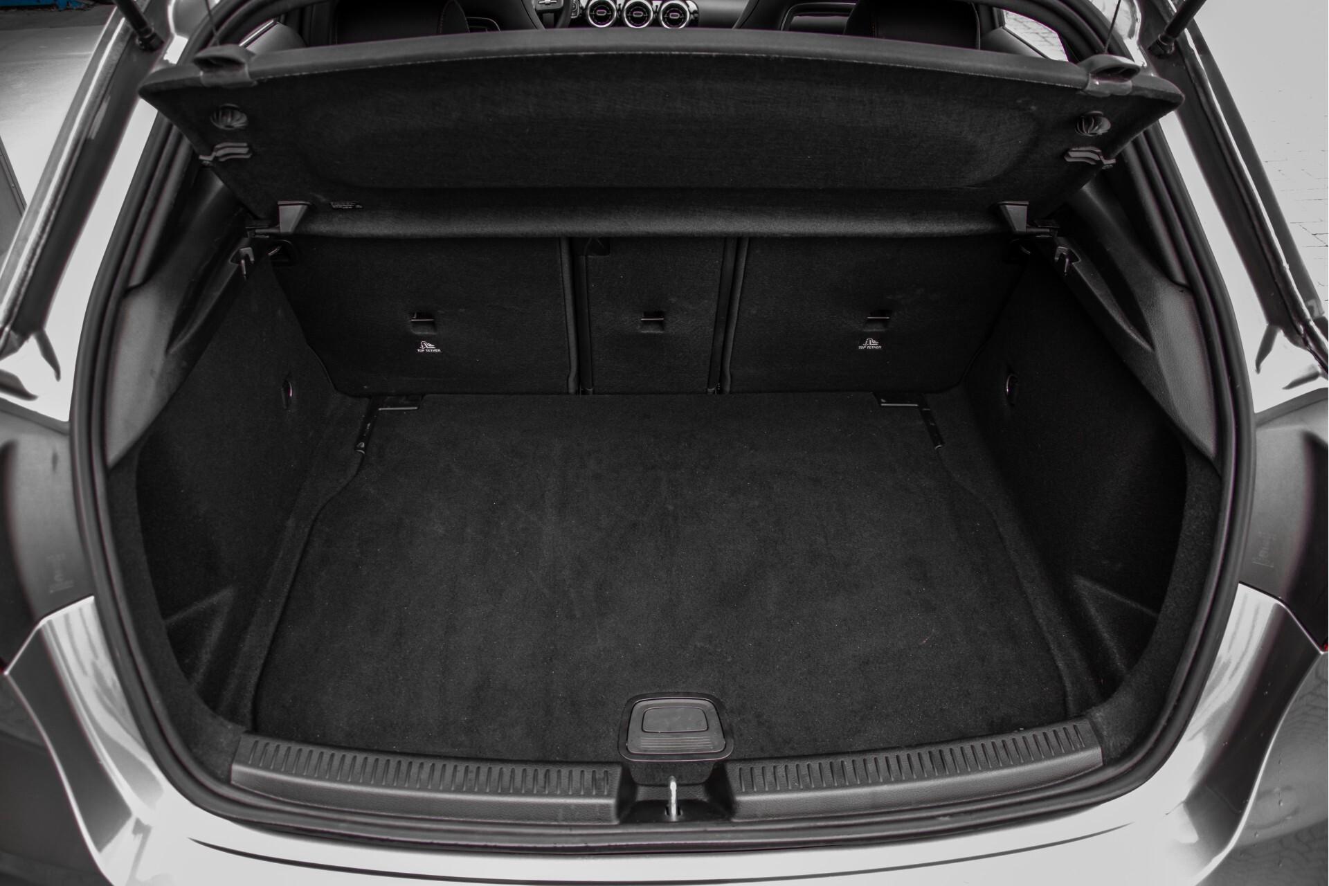 Mercedes-Benz A-Klasse 180 d AMG Panorama/MBUX/DAB/LED Aut7 Foto 50