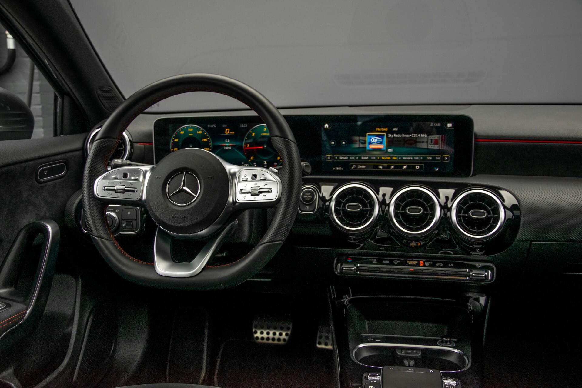 Mercedes-Benz A-Klasse 180 d AMG Panorama/MBUX/DAB/LED Aut7 Foto 6