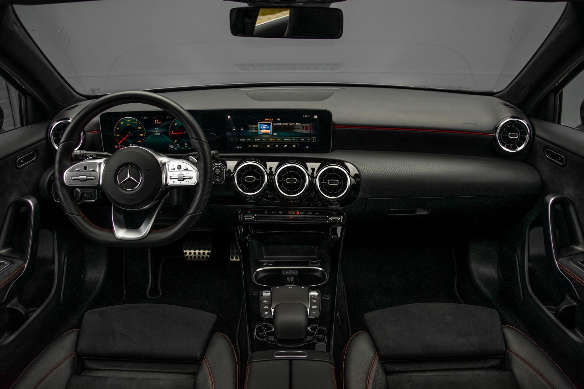 Mercedes-Benz A-Klasse 180 d AMG Panorama/MBUX/DAB/LED Aut7 Foto 7