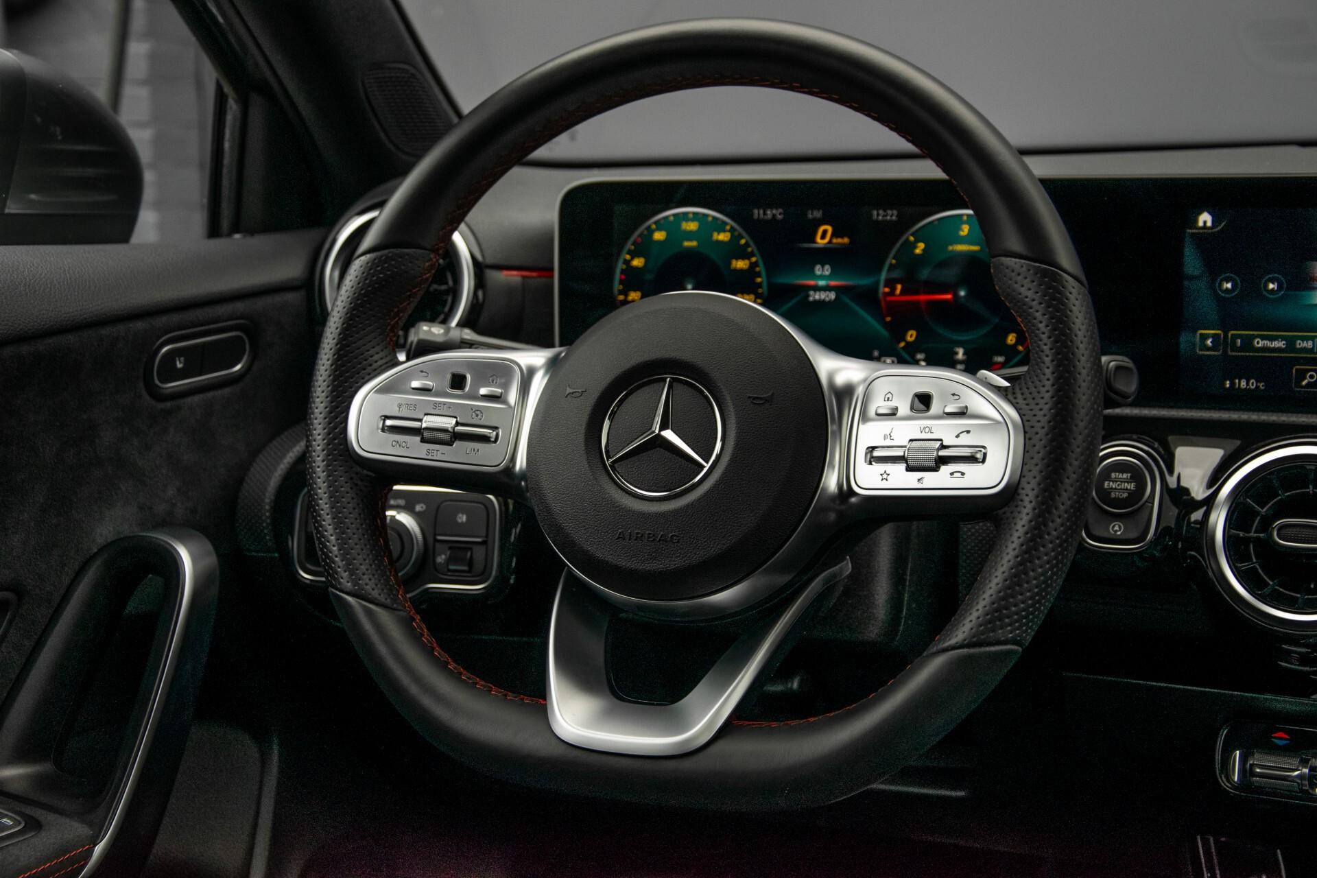 Mercedes-Benz A-Klasse 180 d AMG Panorama/MBUX/DAB/LED Aut7 Foto 8