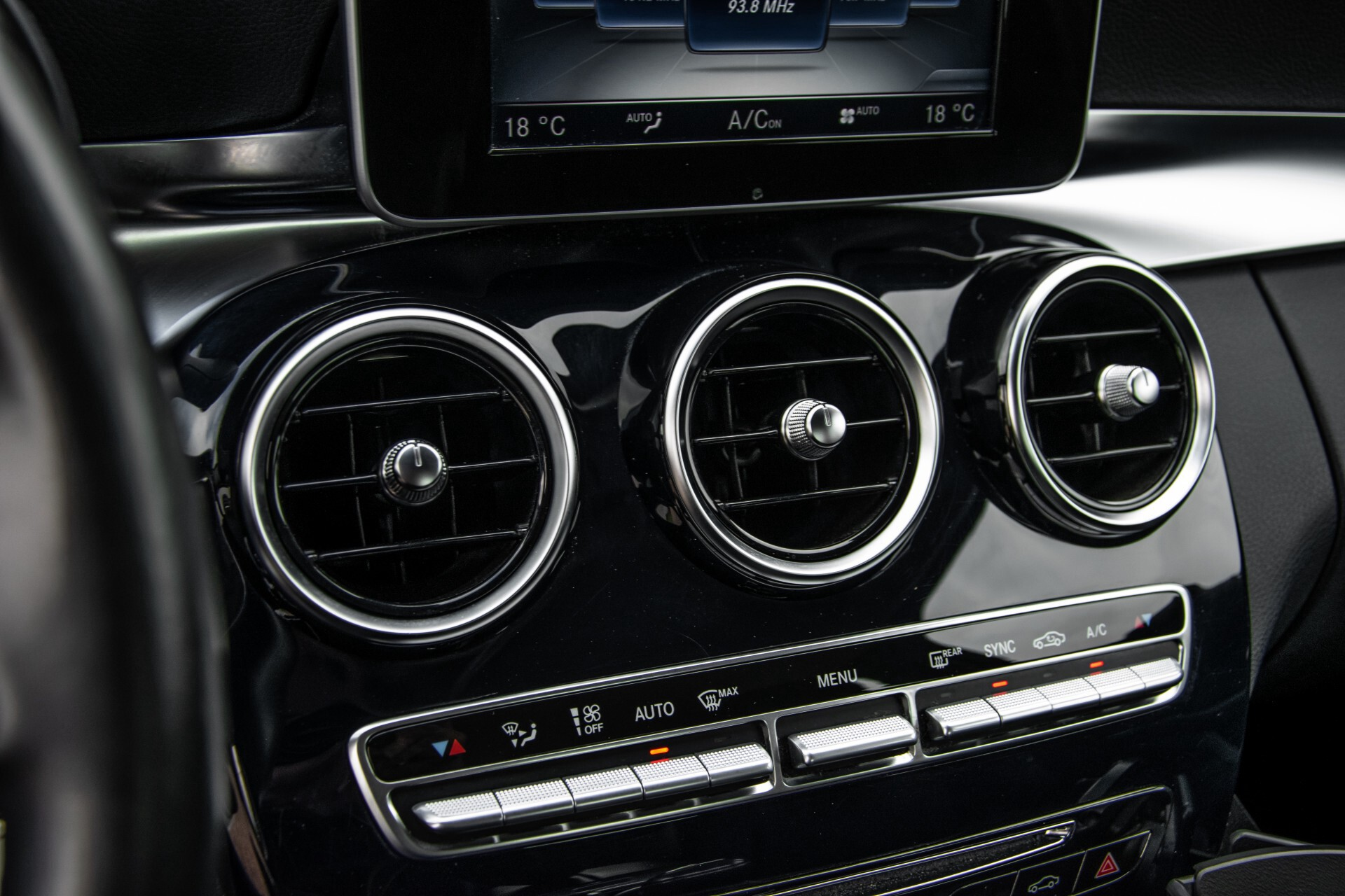 Mercedes-Benz C-Klasse 180 Bluetec Lease Edition Intelligent Light System/Cruise Control/Navi Foto 22
