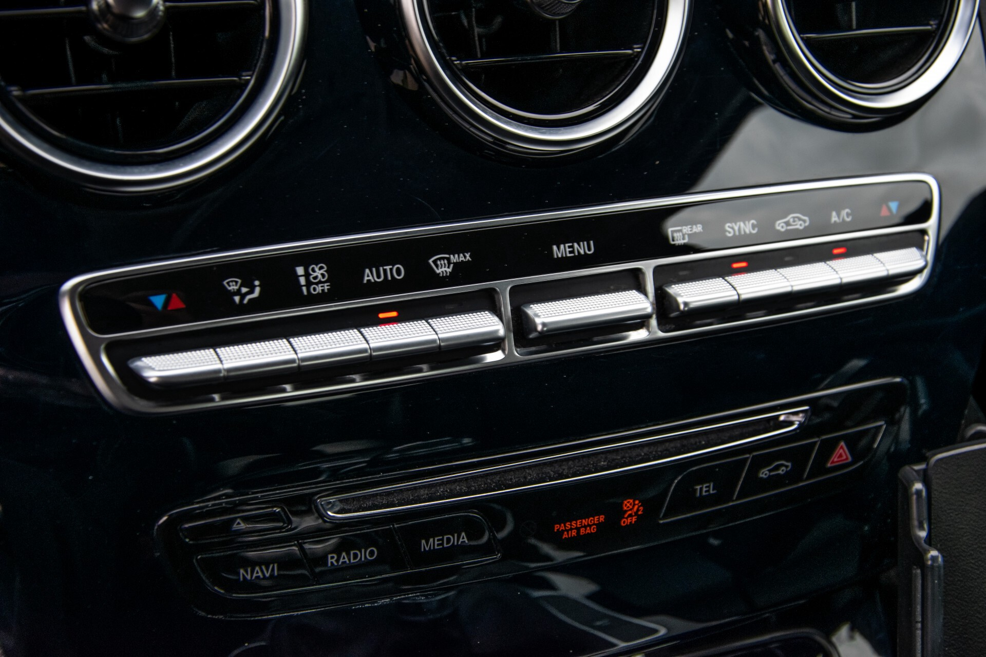 Mercedes-Benz C-Klasse 180 Bluetec Lease Edition Intelligent Light System/Cruise Control/Navi Foto 24