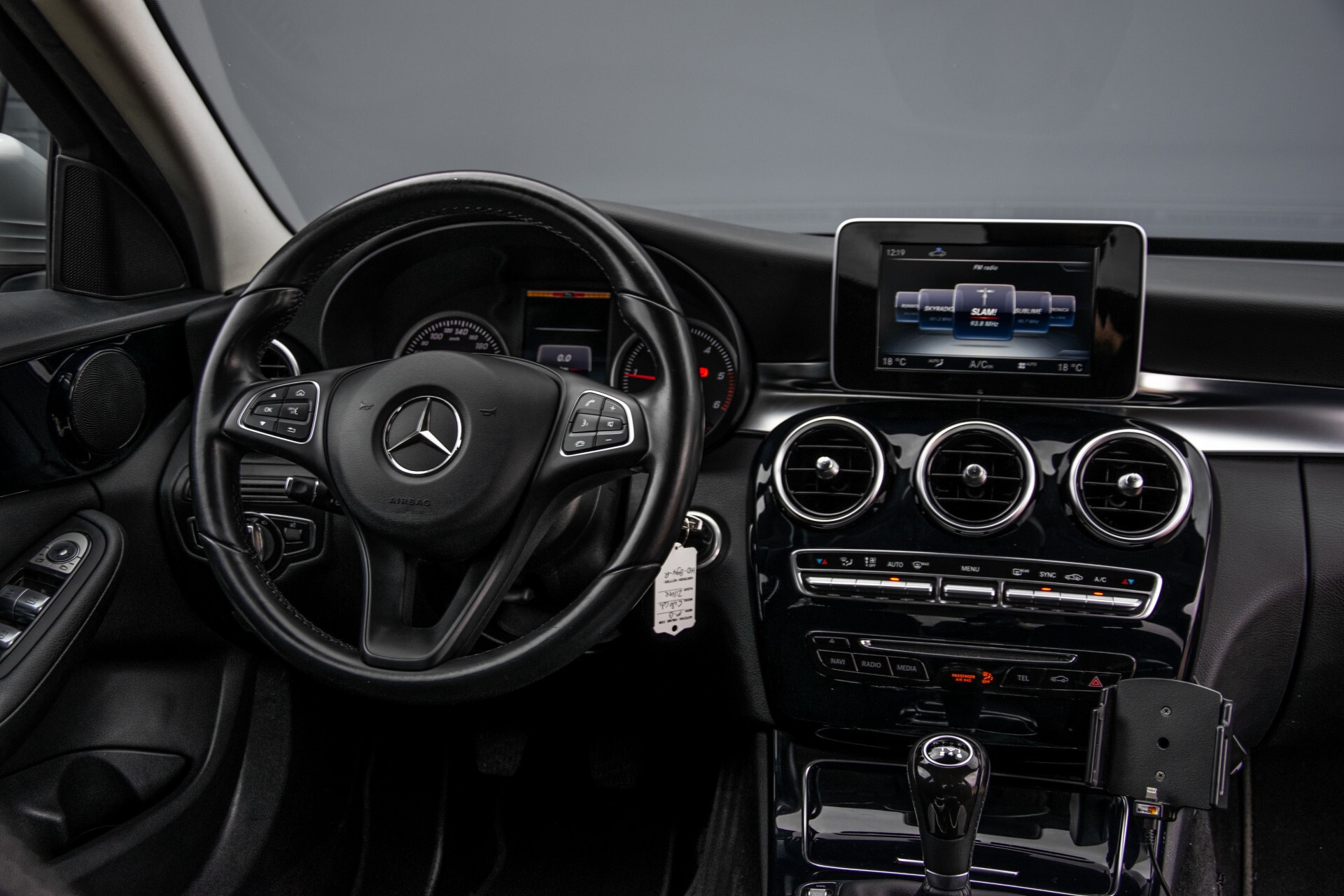 Mercedes-Benz C-Klasse 180 Bluetec Lease Edition Intelligent Light System/Cruise Control/Navi Foto 6