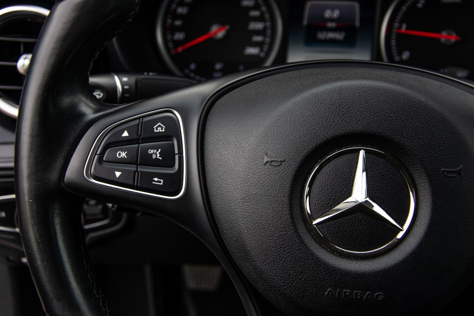 Mercedes-Benz C-Klasse 180 Bluetec Lease Edition Intelligent Light System/Cruise Control/Navi Foto 9