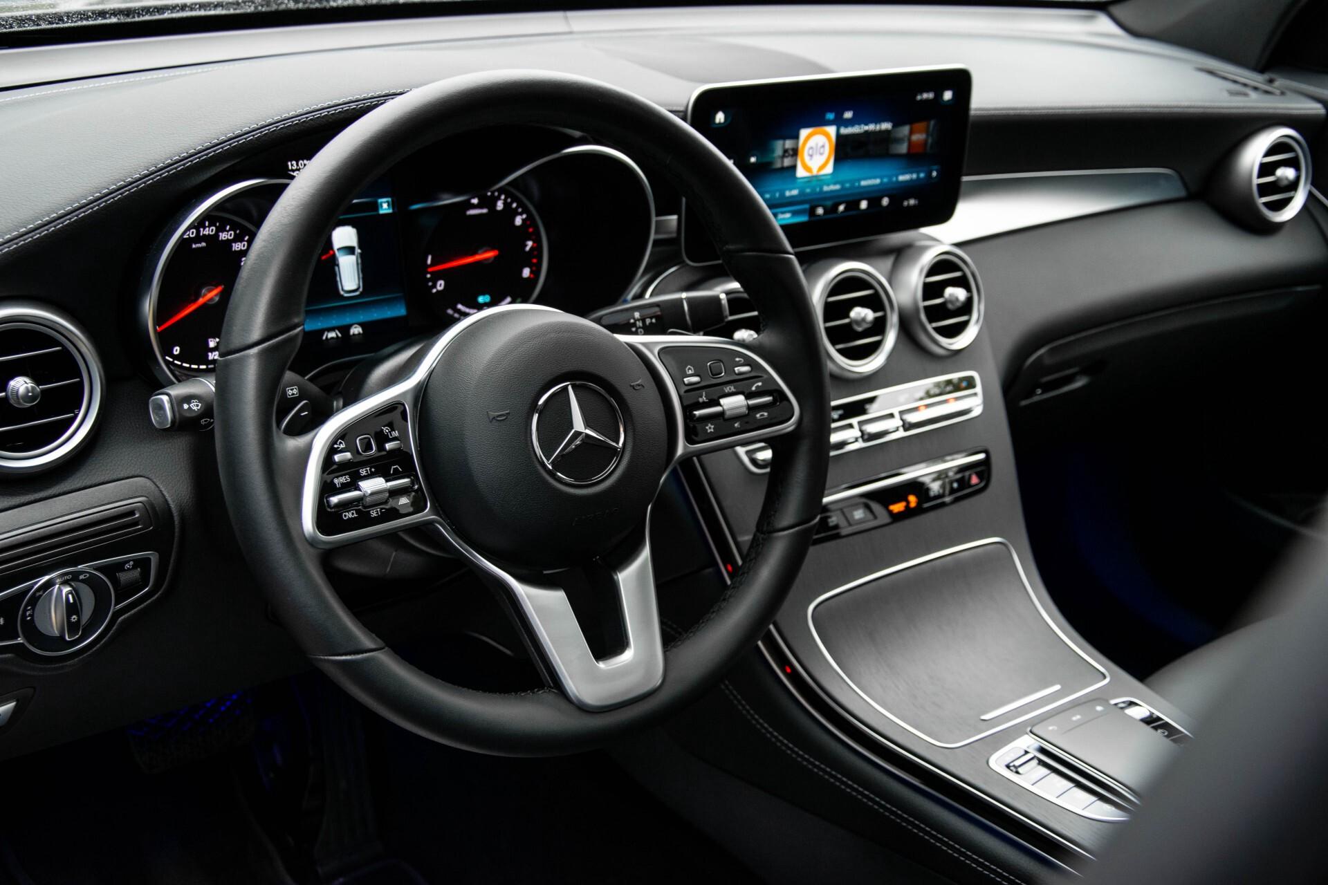 Mercedes-Benz GLC 200 4-M AMG Night/Panorama/Distronic Pro/Burmester/360camera/Exclusive Aut9 Foto 16