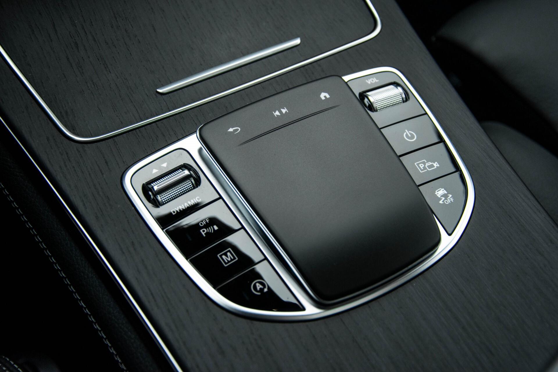 Mercedes-Benz GLC 200 4-M AMG Night/Panorama/Distronic Pro/Burmester/360camera/Exclusive Aut9 Foto 32