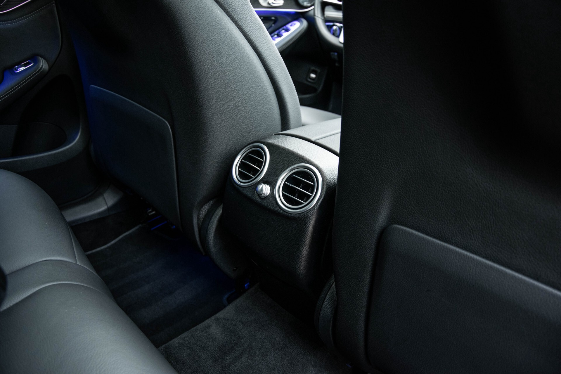 Mercedes-Benz GLC 200 4-M AMG Night/Panorama/Distronic Pro/Burmester/360camera/Exclusive Aut9 Foto 44