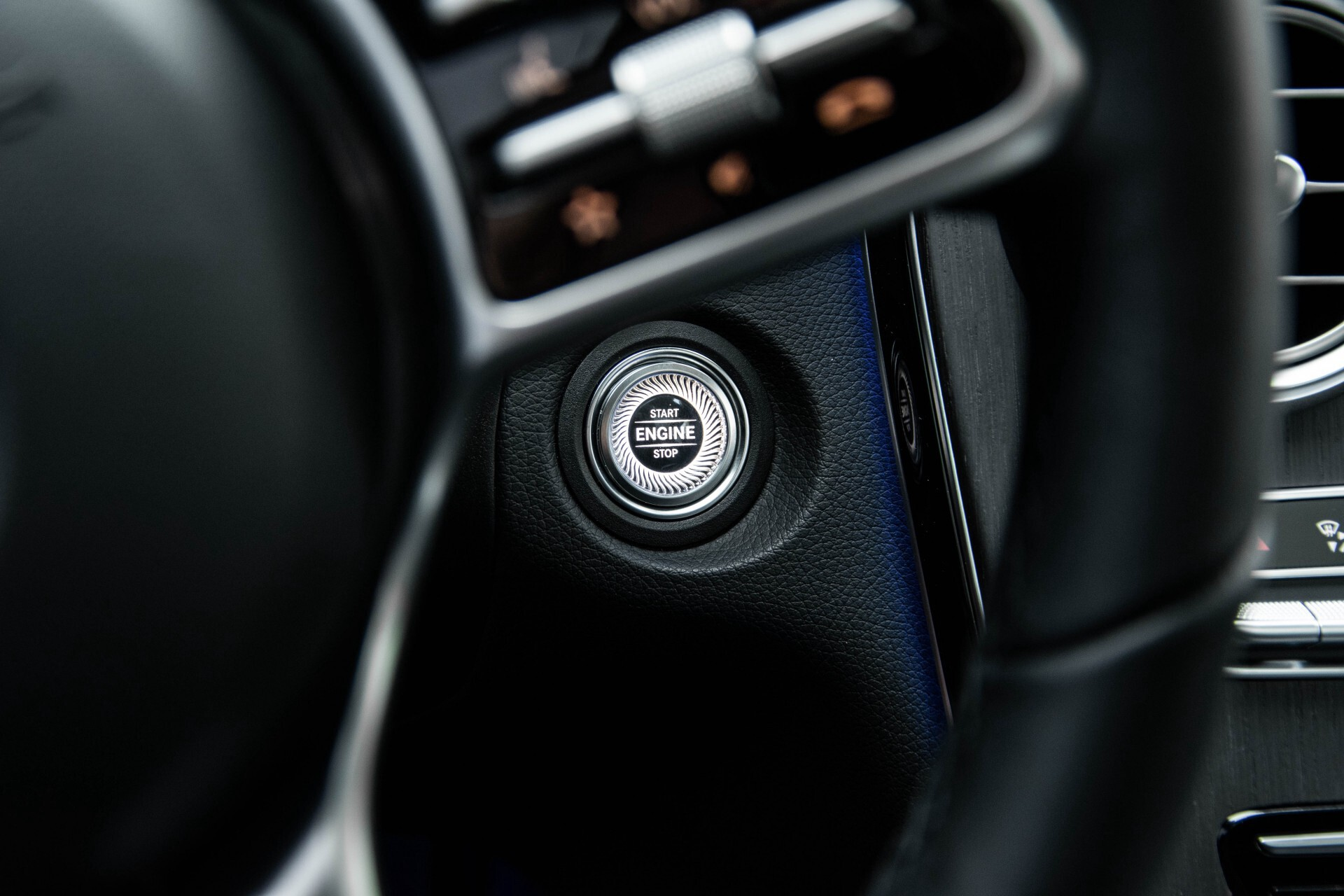 Mercedes-Benz GLC 200 4-M AMG Night/Panorama/Distronic Pro/Burmester/360camera/Exclusive Aut9 Foto 46