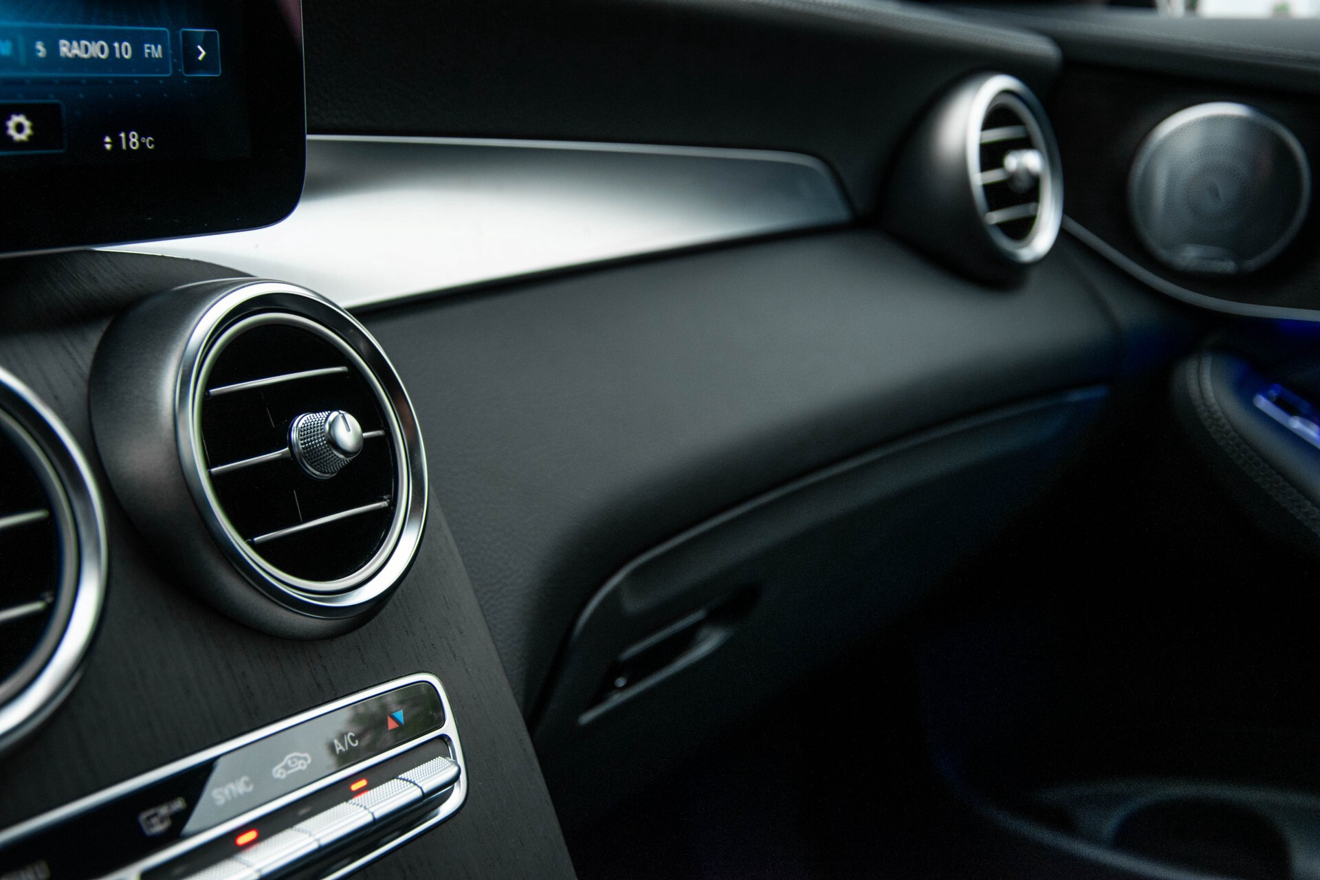 Mercedes-Benz GLC 200 4-M AMG Night/Panorama/Distronic Pro/Burmester/360camera/Exclusive Aut9 Foto 47