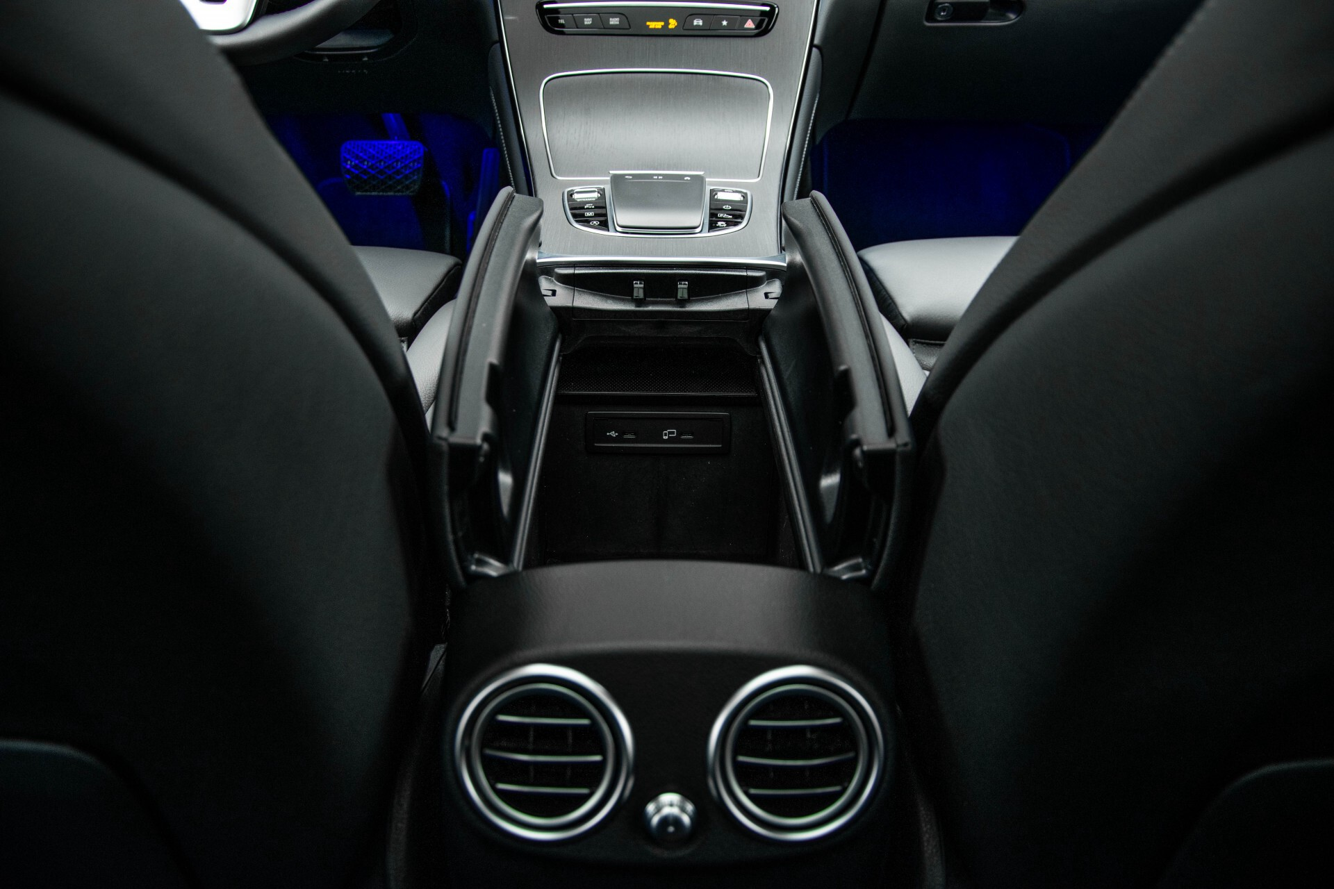 Mercedes-Benz GLC 200 4-M AMG Night/Panorama/Distronic Pro/Burmester/360camera/Exclusive Aut9 Foto 53