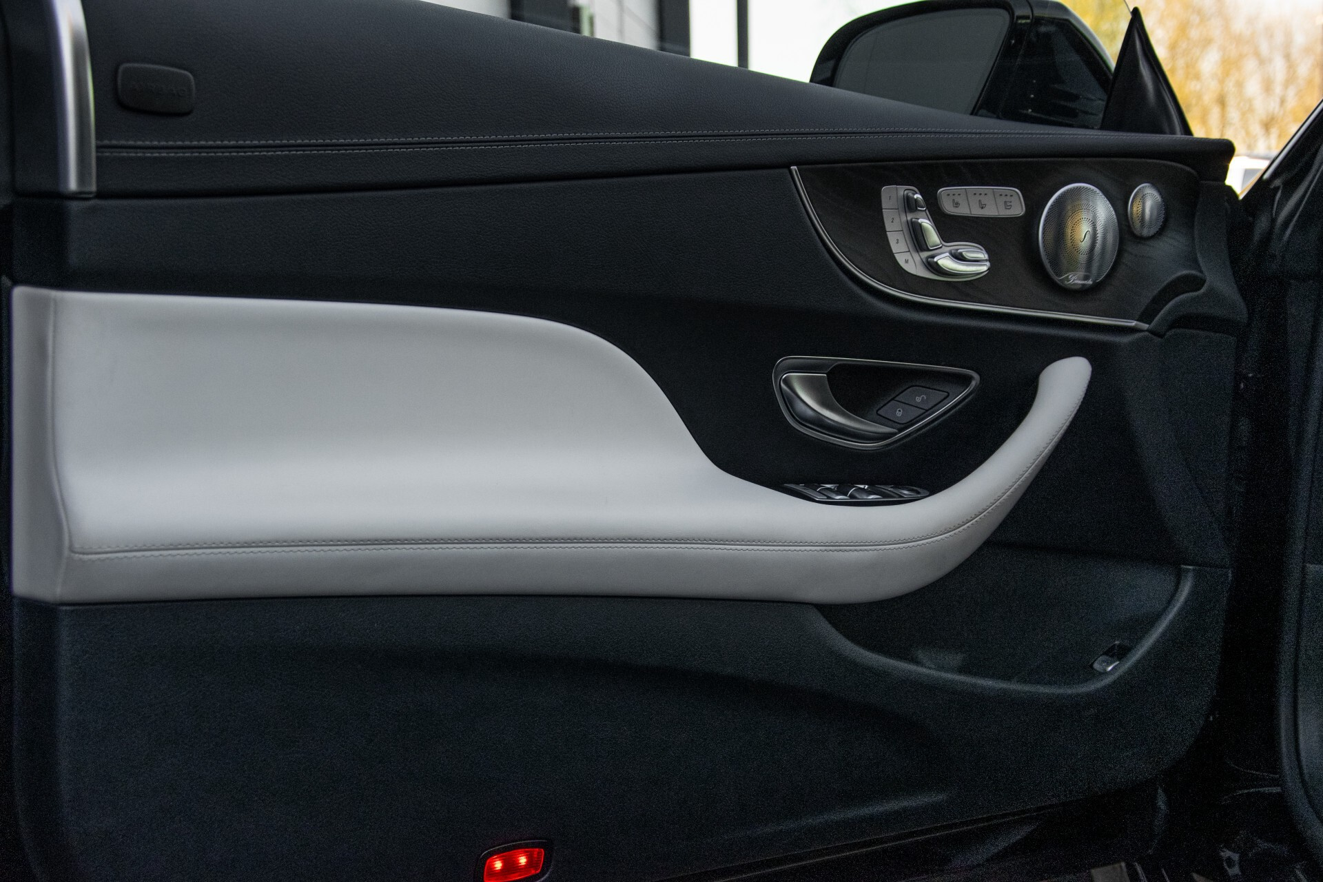 Mercedes-Benz E-Klasse Cabrio 350 AMG Night Distronic Pro/Burmester/Widescreen/Mem/Camera/Dynamic Body Aut9 Foto 38