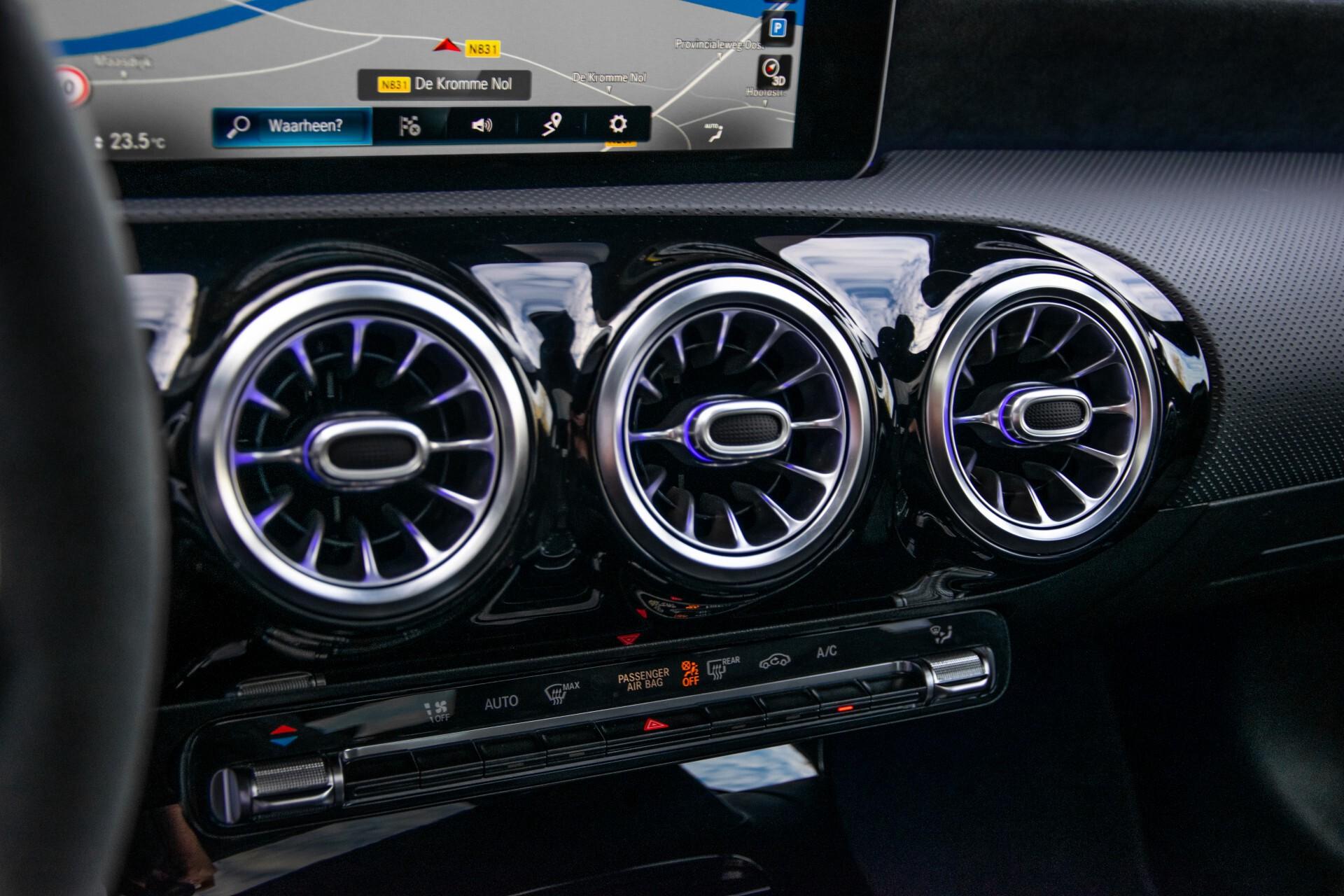 Mercedes-Benz A-Klasse 250 4-M AMG Panorama/Keyless-Entry/MBUX/HUD/Burmester/360/Multibeam LED Aut7 Foto 18