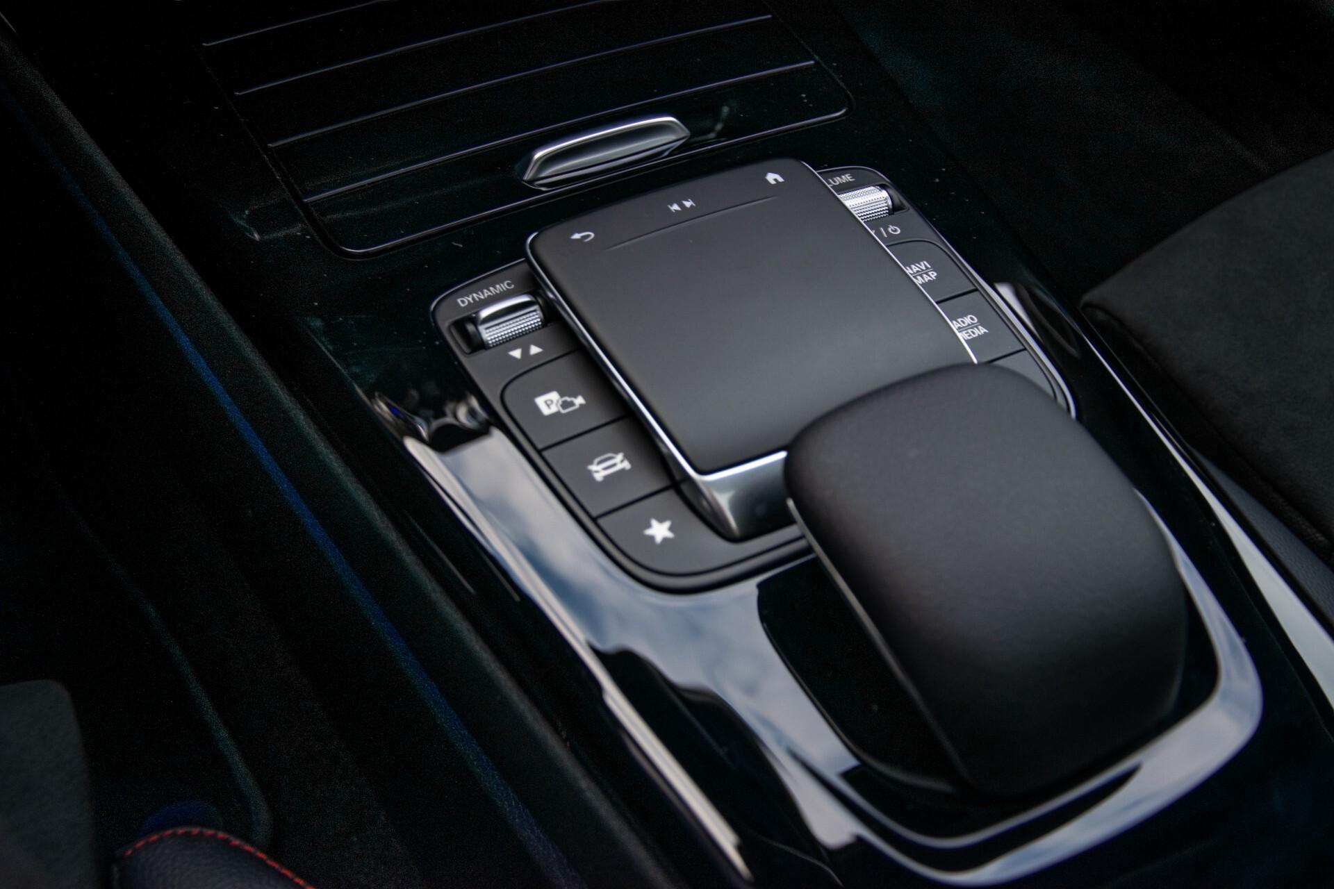 Mercedes-Benz A-Klasse 250 4-M AMG Panorama/Keyless-Entry/MBUX/HUD/Burmester/360/Multibeam LED Aut7 Foto 22