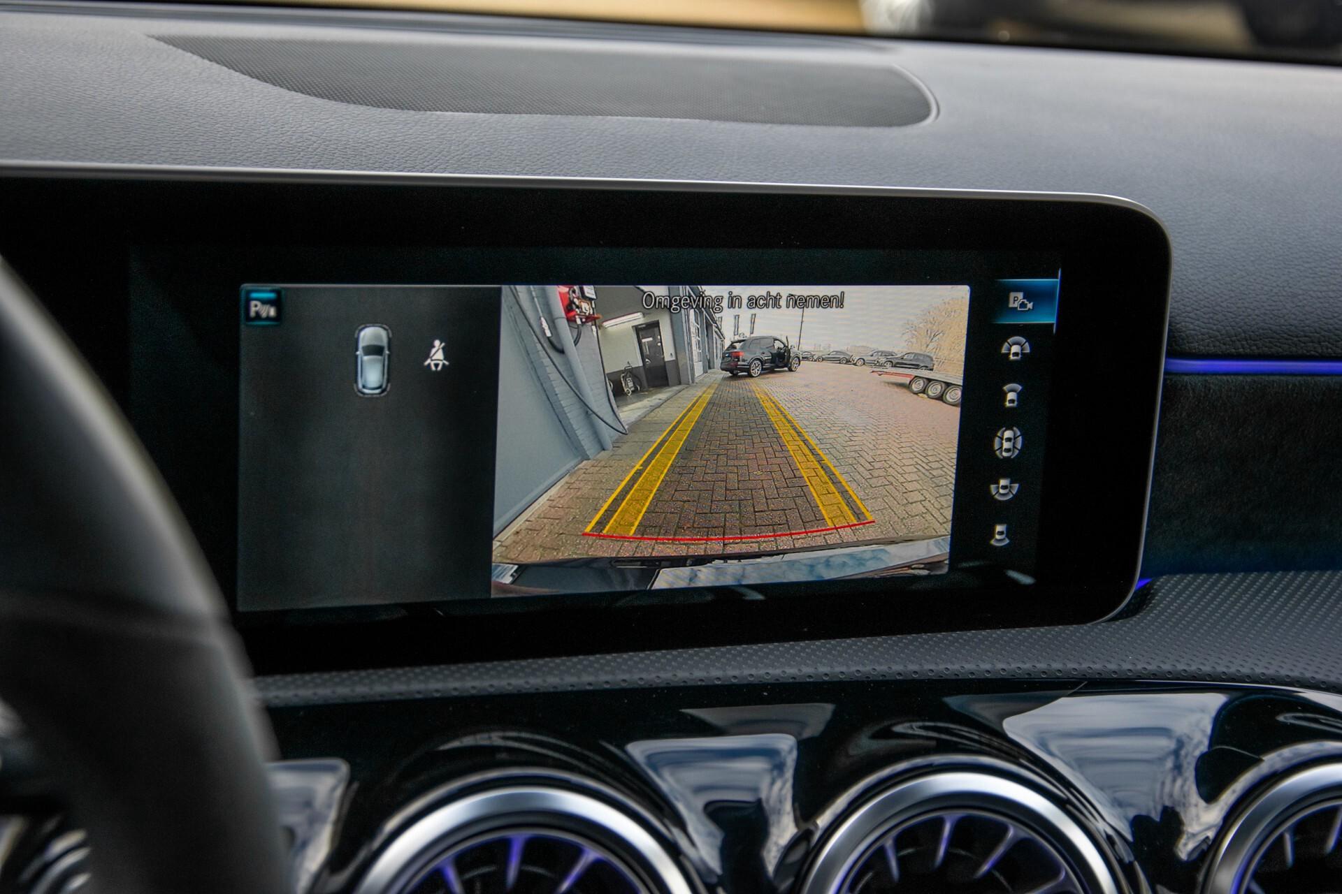 Mercedes-Benz A-Klasse 250 4-M AMG Panorama/Keyless-Entry/MBUX/HUD/Burmester/360/Multibeam LED Aut7 Foto 27