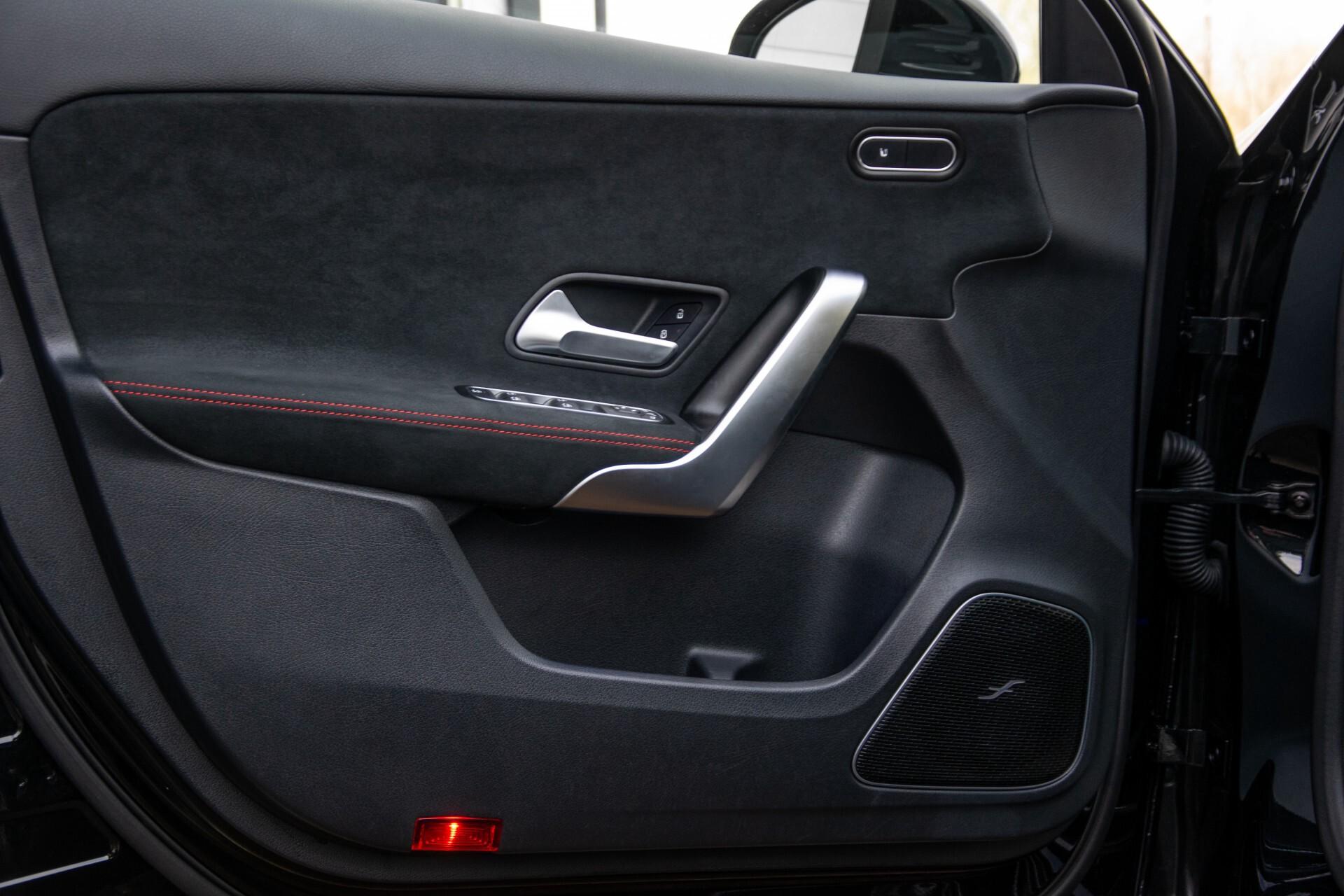 Mercedes-Benz A-Klasse 250 4-M AMG Panorama/Keyless-Entry/MBUX/HUD/Burmester/360/Multibeam LED Aut7 Foto 35