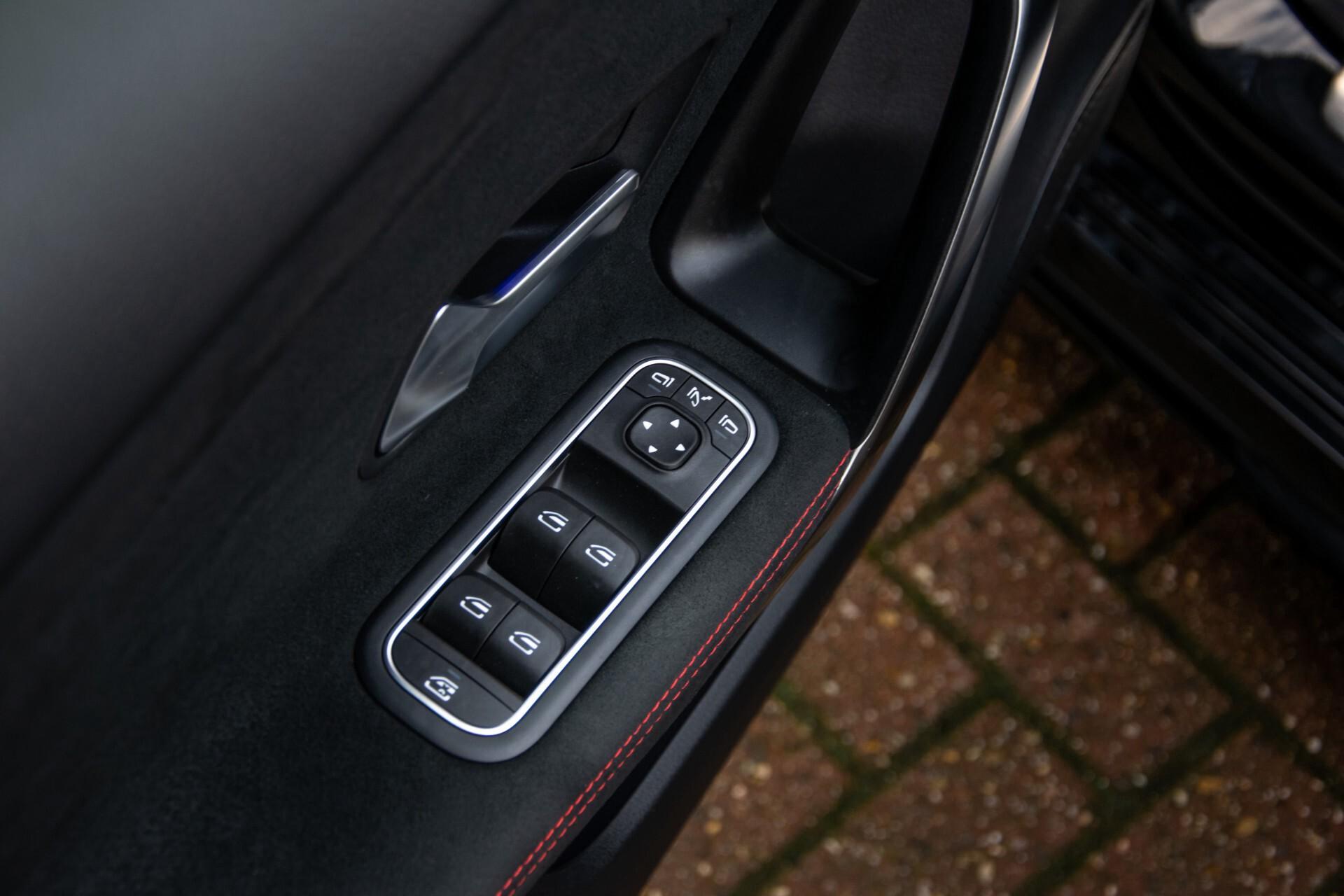 Mercedes-Benz A-Klasse 250 4-M AMG Panorama/Keyless-Entry/MBUX/HUD/Burmester/360/Multibeam LED Aut7 Foto 37