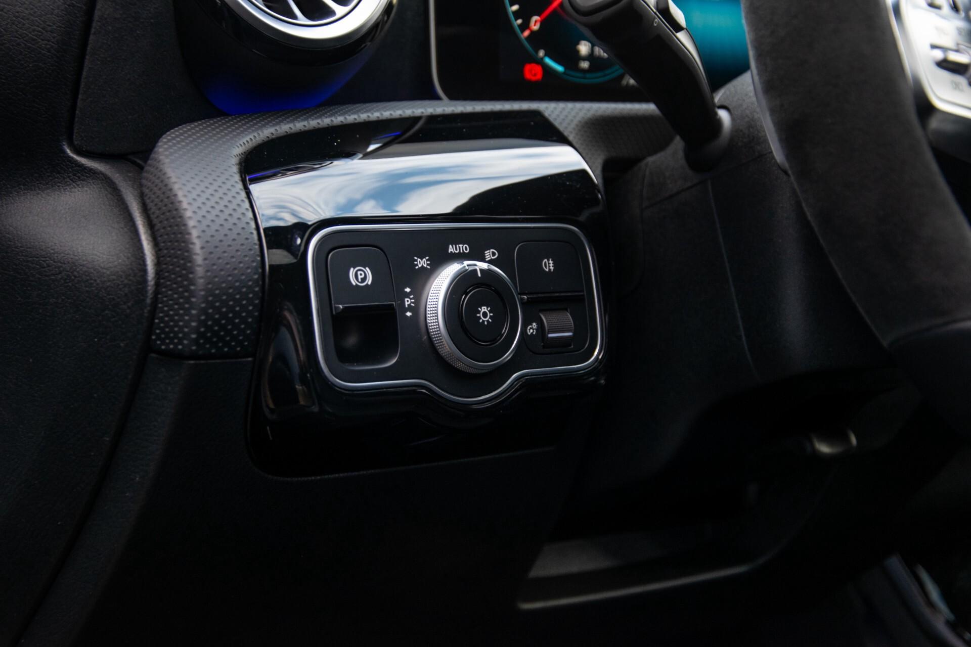 Mercedes-Benz A-Klasse 250 4-M AMG Panorama/Keyless-Entry/MBUX/HUD/Burmester/360/Multibeam LED Aut7 Foto 41