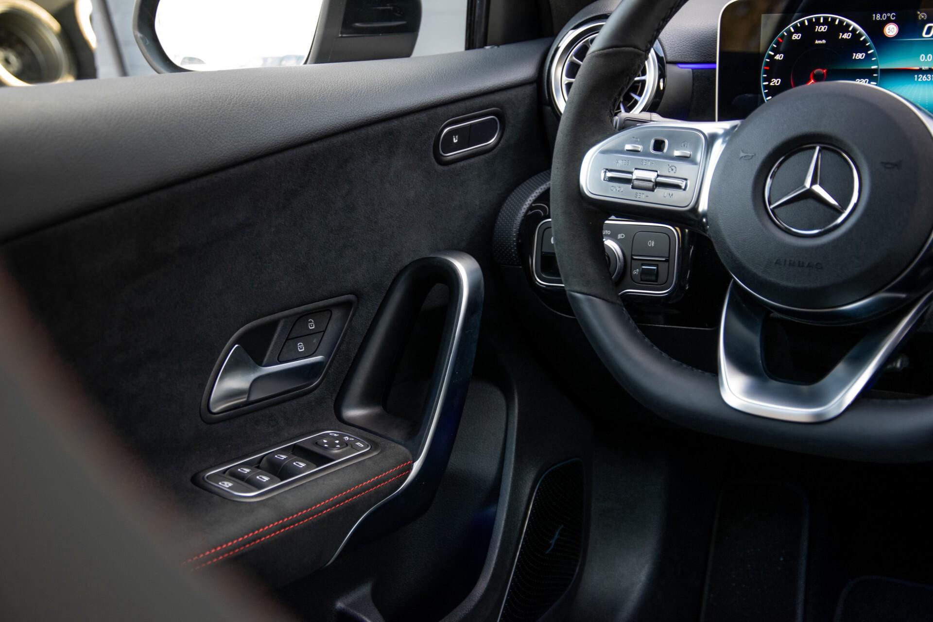 Mercedes-Benz A-Klasse 250 4-M AMG Panorama/Keyless-Entry/MBUX/HUD/Burmester/360/Multibeam LED Aut7 Foto 47