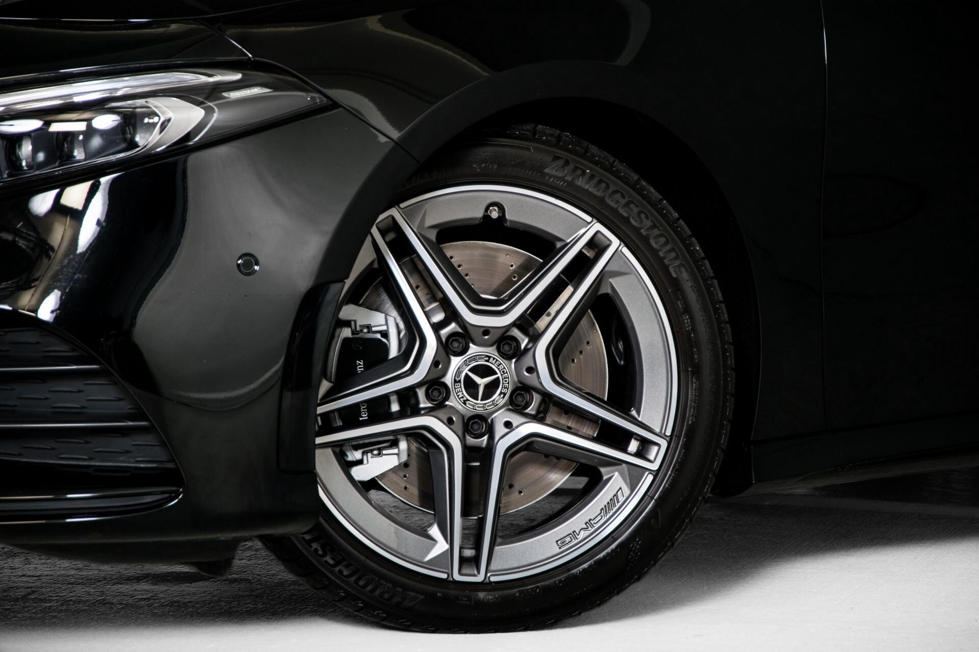 Mercedes-Benz A-Klasse 250 4-M AMG Panorama/Keyless-Entry/MBUX/HUD/Burmester/360/Multibeam LED Aut7 Foto 55
