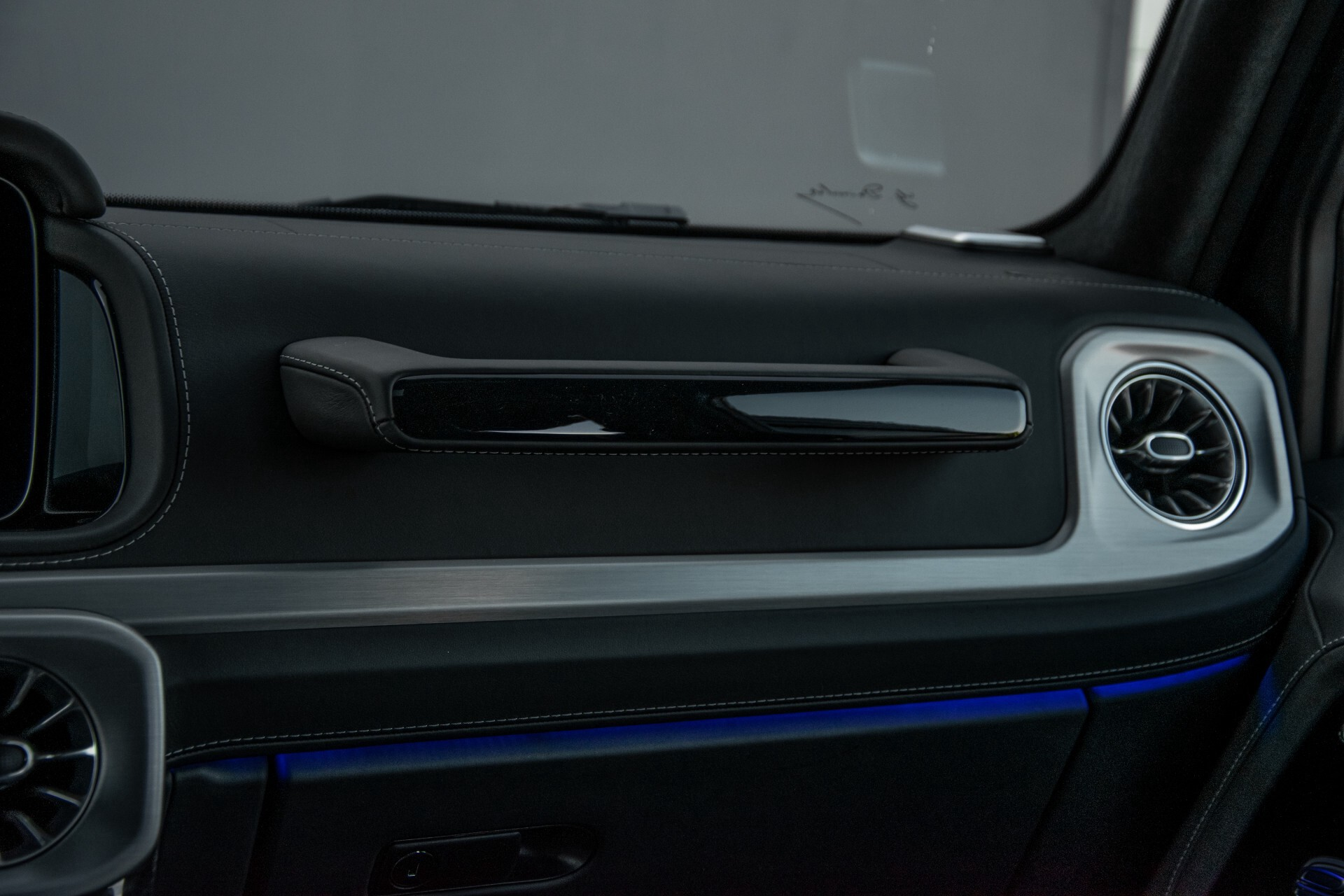 "Mercedes-Benz G-Klasse 63 AMG Night/Designo/Adaptive Cruise/Burmester/22""/Trekhaak/Massage/Exclusive Aut9 Foto 47"