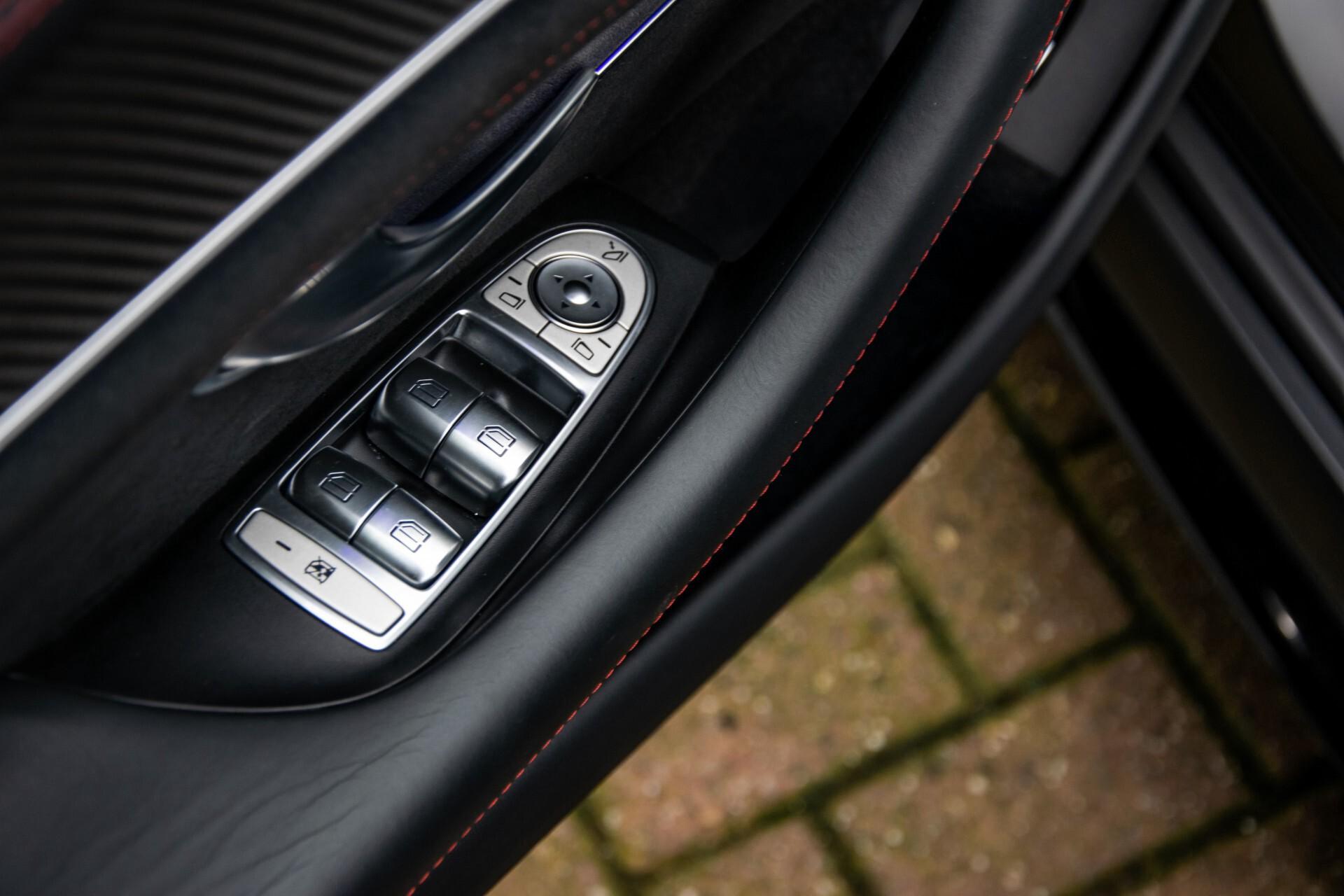 Mercedes-Benz AMG GT 4-Door Coupe 63 S 4M+ Keramisch/Full Carbon/Aerodynamica/Burmester 3D/TV/Performance stoelen/Standkachel Aut9 Foto 26