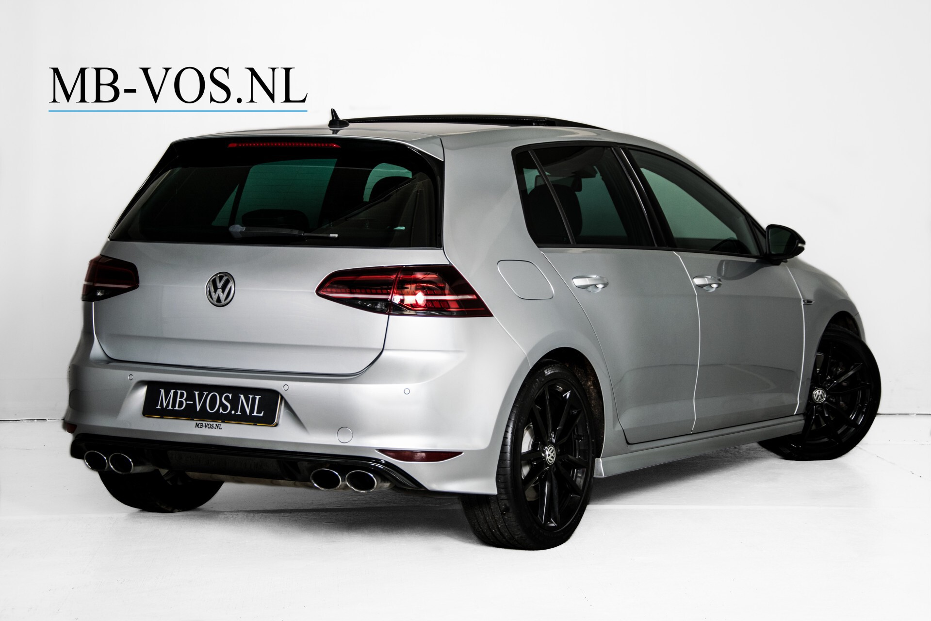 Volkswagen Golf 2.0 TSI R 4Motion Keyless/Adaptive Cruise/Panorama/Leder/Soundsysteem/Night Aut6 Foto 2