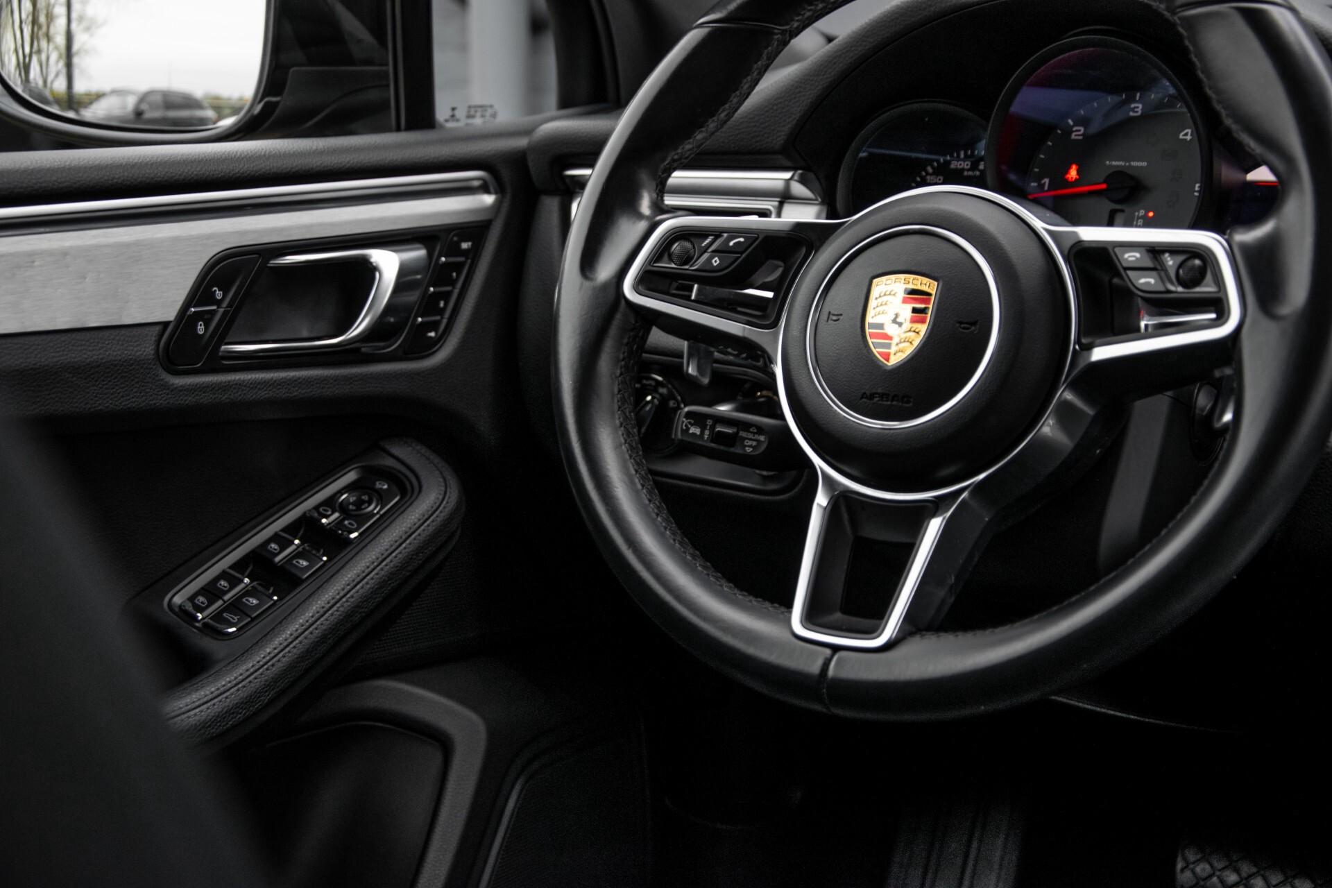 Porsche Macan 3.0 D S Luchtvering/Sport Design/Keyless/Panorama/ACC/Camera Aut Foto 38