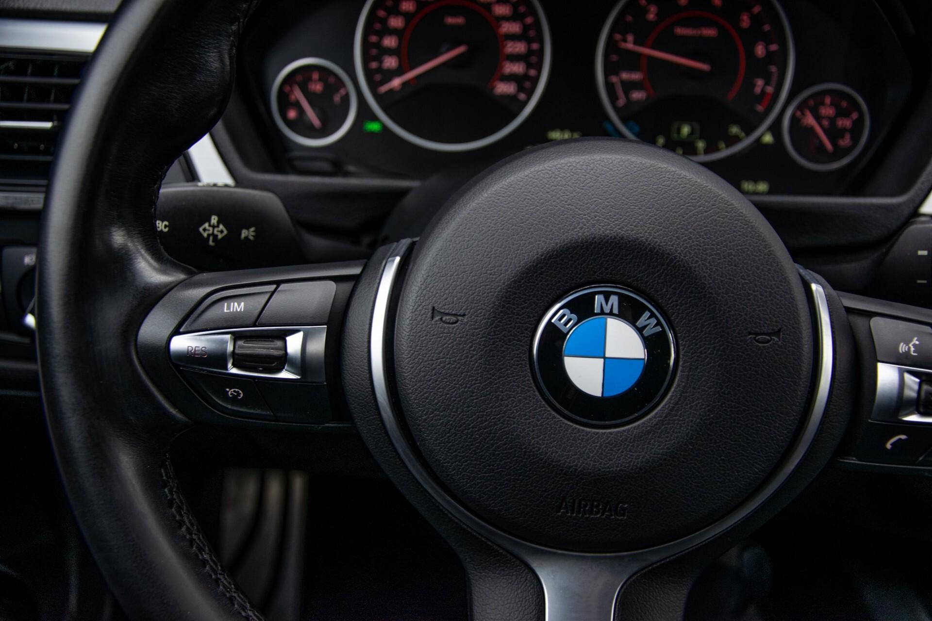 BMW 3 Serie Touring 316i M-Sportpakket Executive NL Auto/NAP Aut8 Foto 10