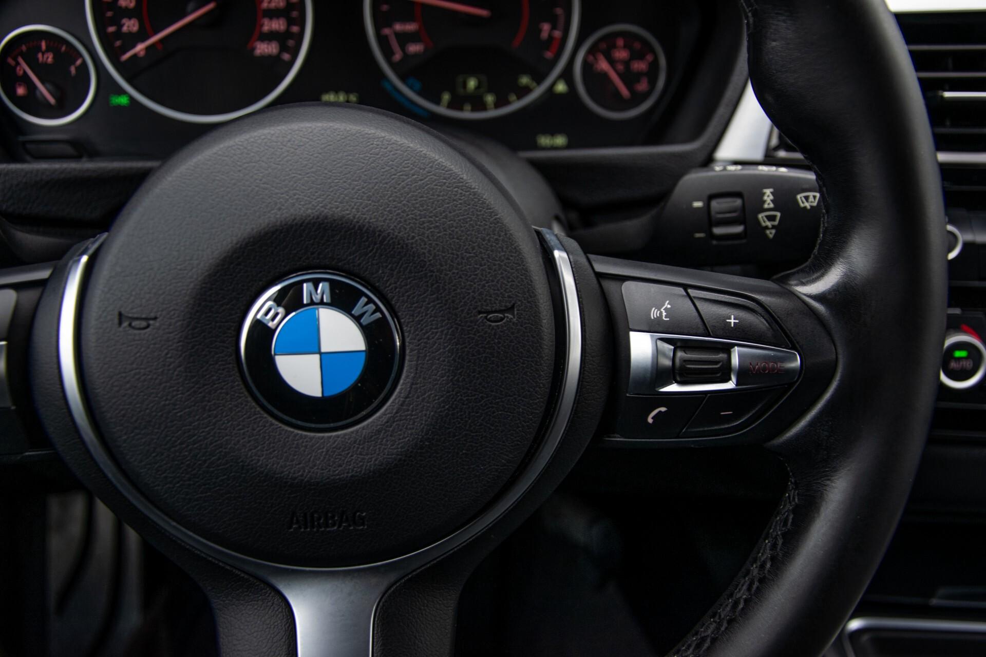 BMW 3 Serie Touring 316i M-Sportpakket Executive NL Auto/NAP Aut8 Foto 14