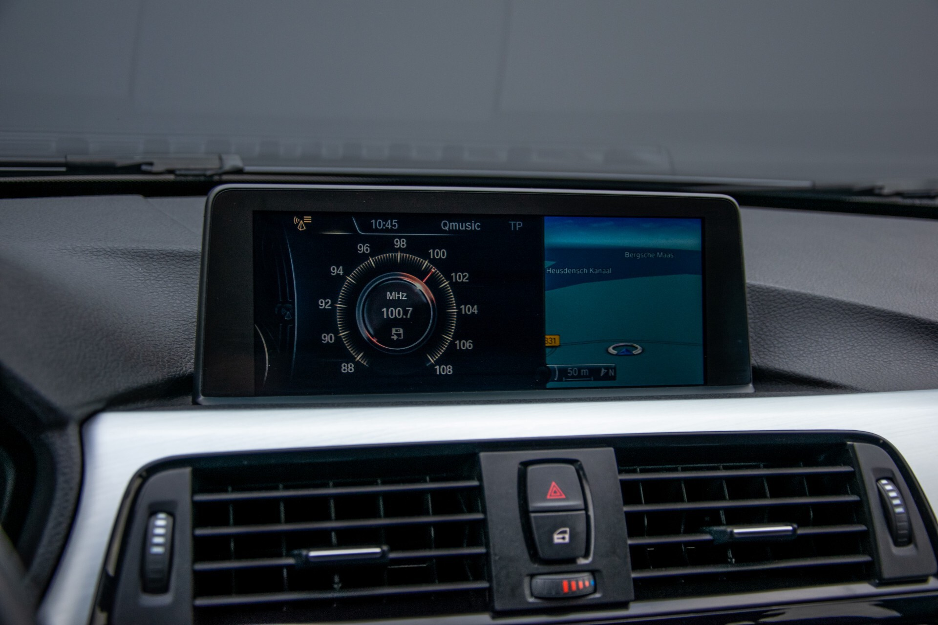 BMW 3 Serie Touring 316i M-Sportpakket Executive NL Auto/NAP Aut8 Foto 15