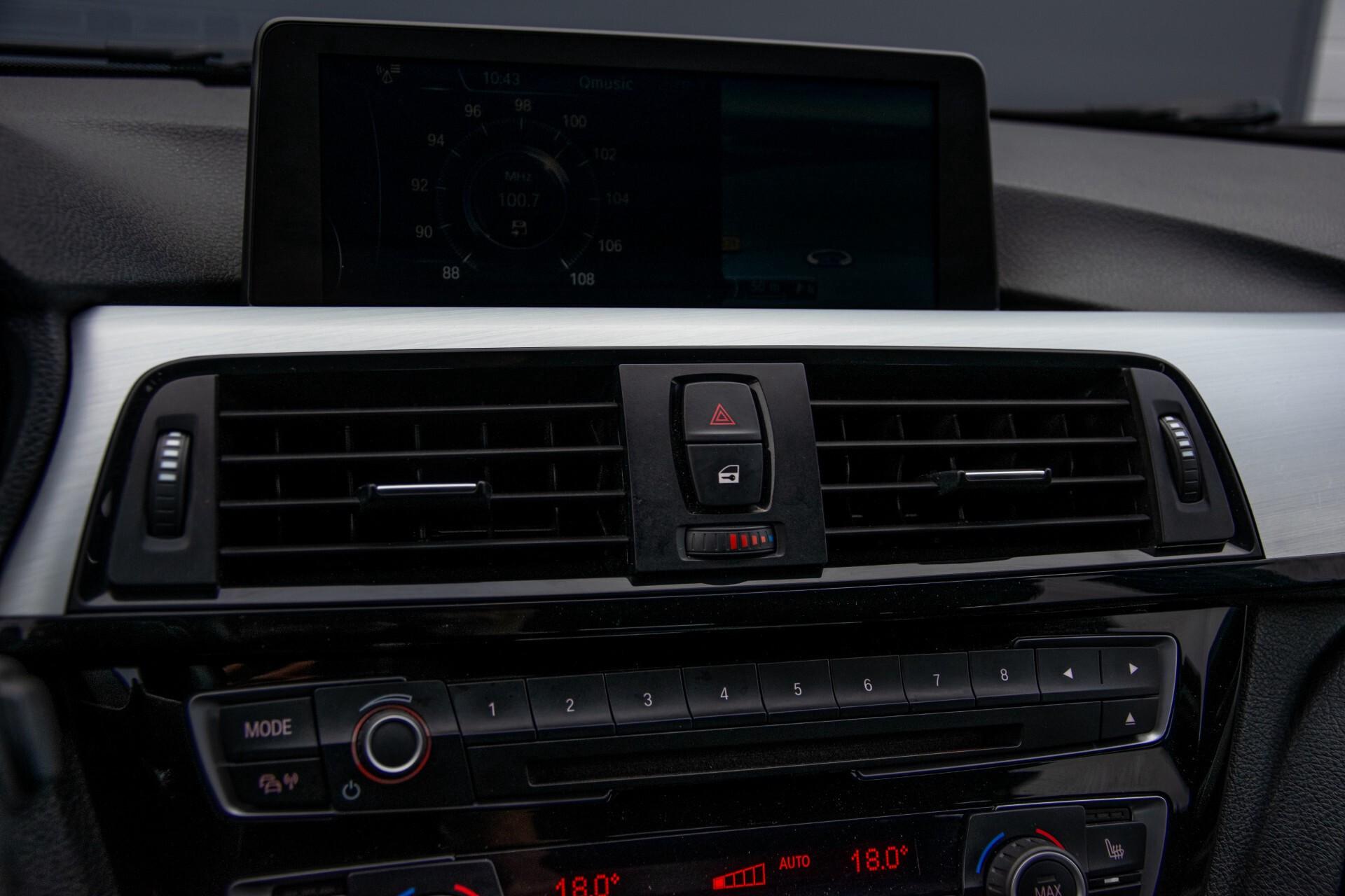 BMW 3 Serie Touring 316i M-Sportpakket Executive NL Auto/NAP Aut8 Foto 18