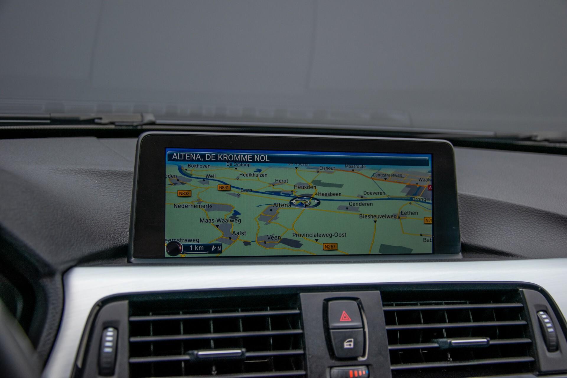 BMW 3 Serie Touring 316i M-Sportpakket Executive NL Auto/NAP Aut8 Foto 21