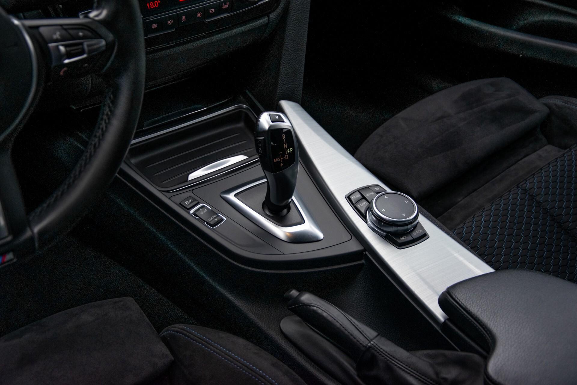 BMW 3 Serie Touring 316i M-Sportpakket Executive NL Auto/NAP Aut8 Foto 26