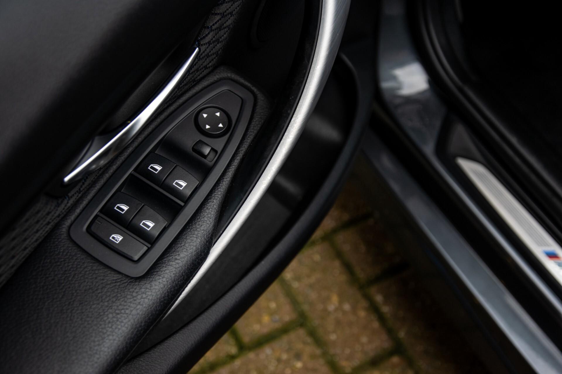 BMW 3 Serie Touring 316i M-Sportpakket Executive NL Auto/NAP Aut8 Foto 27
