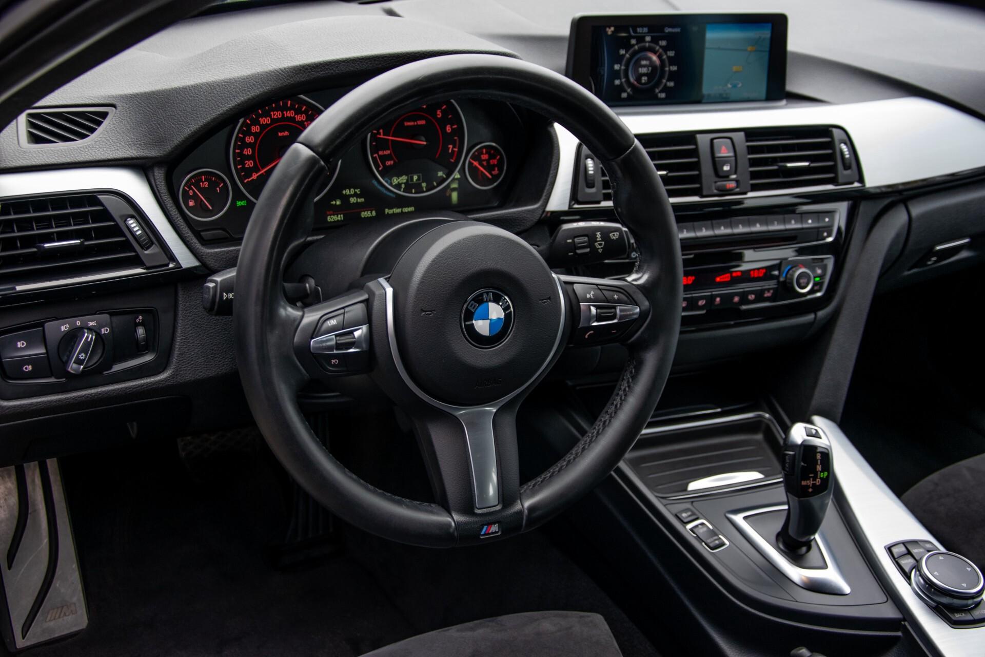 BMW 3 Serie Touring 316i M-Sportpakket Executive NL Auto/NAP Aut8 Foto 31
