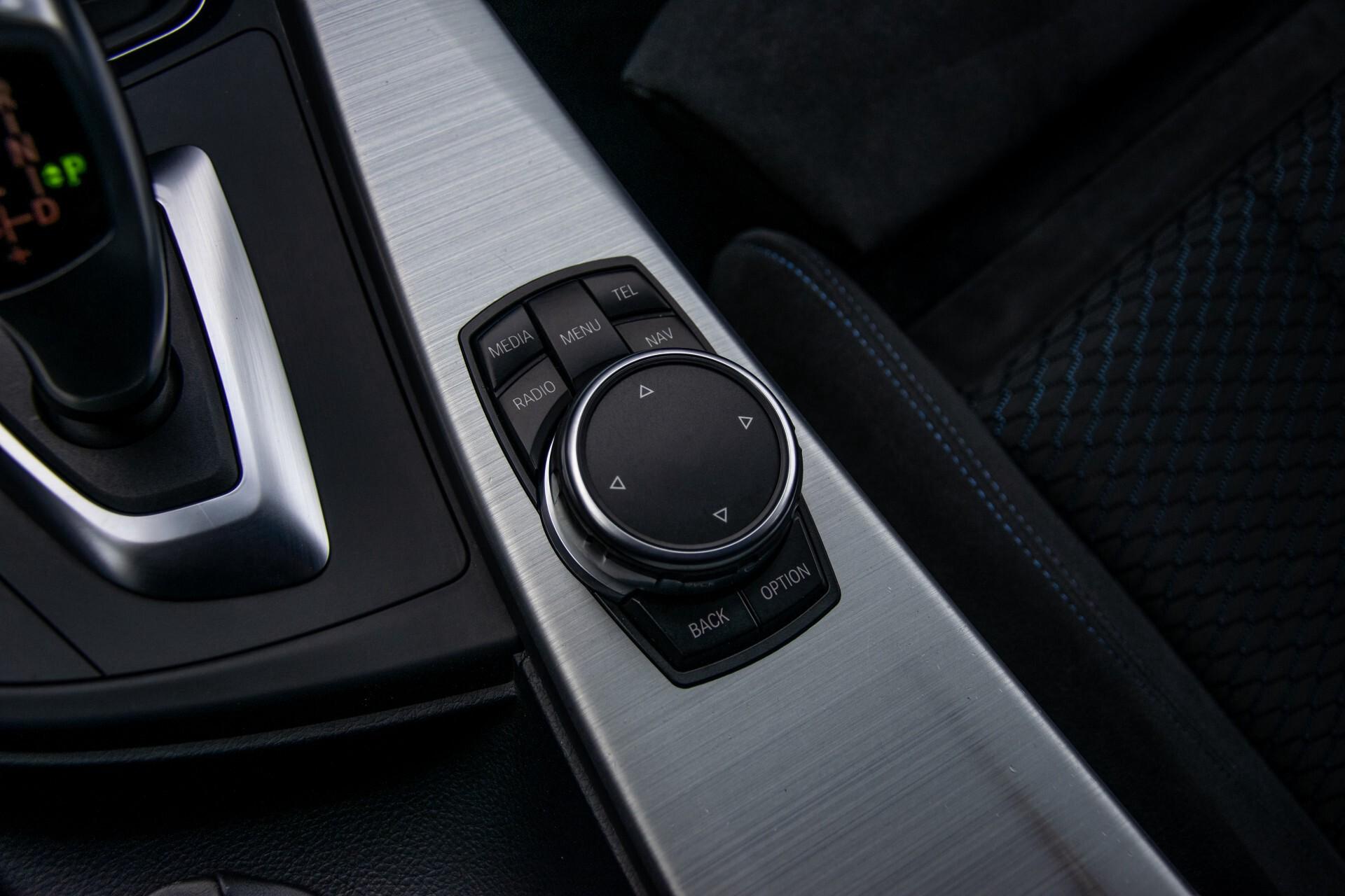 BMW 3 Serie Touring 316i M-Sportpakket Executive NL Auto/NAP Aut8 Foto 33