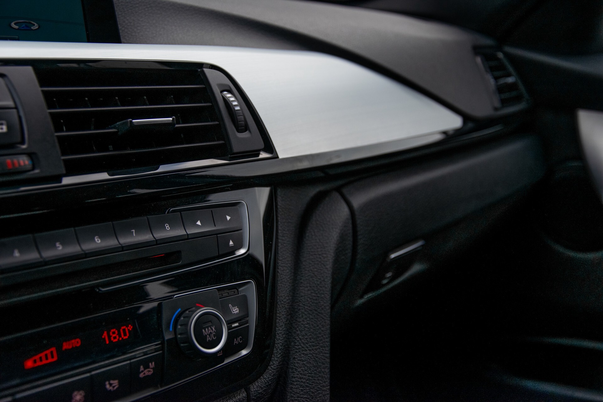 BMW 3 Serie Touring 316i M-Sportpakket Executive NL Auto/NAP Aut8 Foto 36