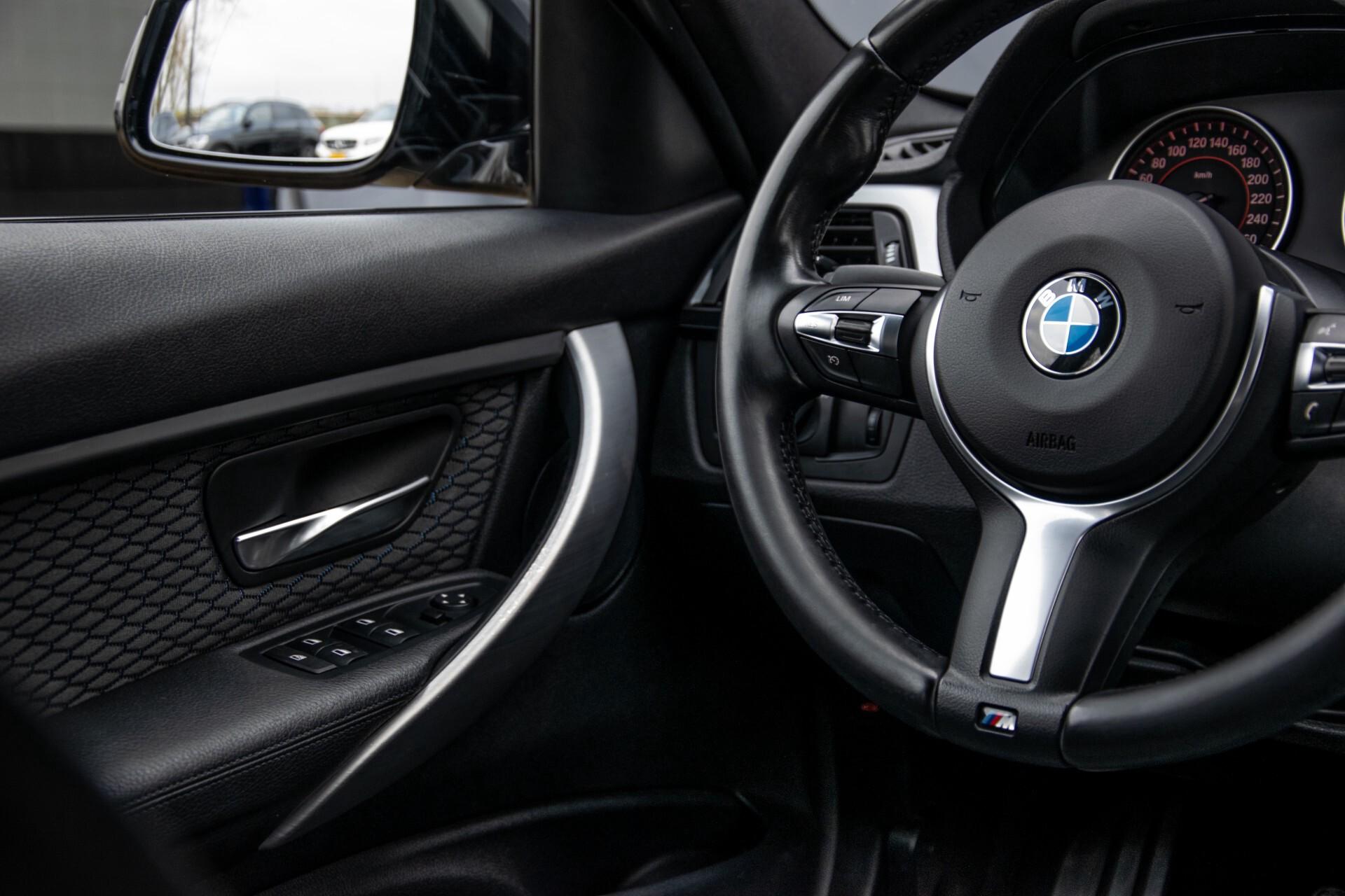 BMW 3 Serie Touring 316i M-Sportpakket Executive NL Auto/NAP Aut8 Foto 42