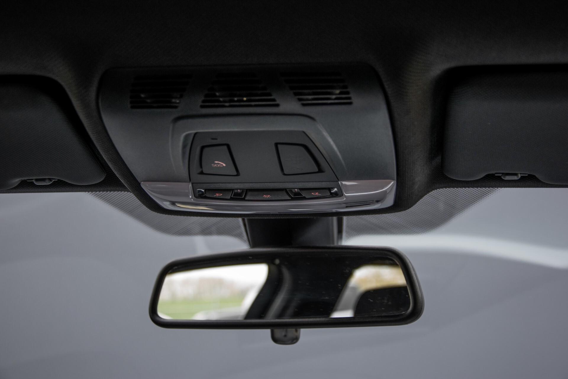 BMW 3 Serie Touring 316i M-Sportpakket Executive NL Auto/NAP Aut8 Foto 45