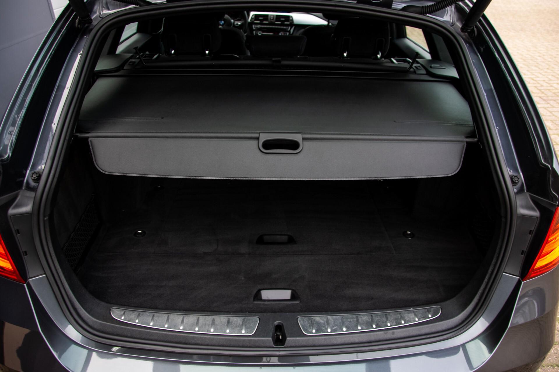 BMW 3 Serie Touring 316i M-Sportpakket Executive NL Auto/NAP Aut8 Foto 48