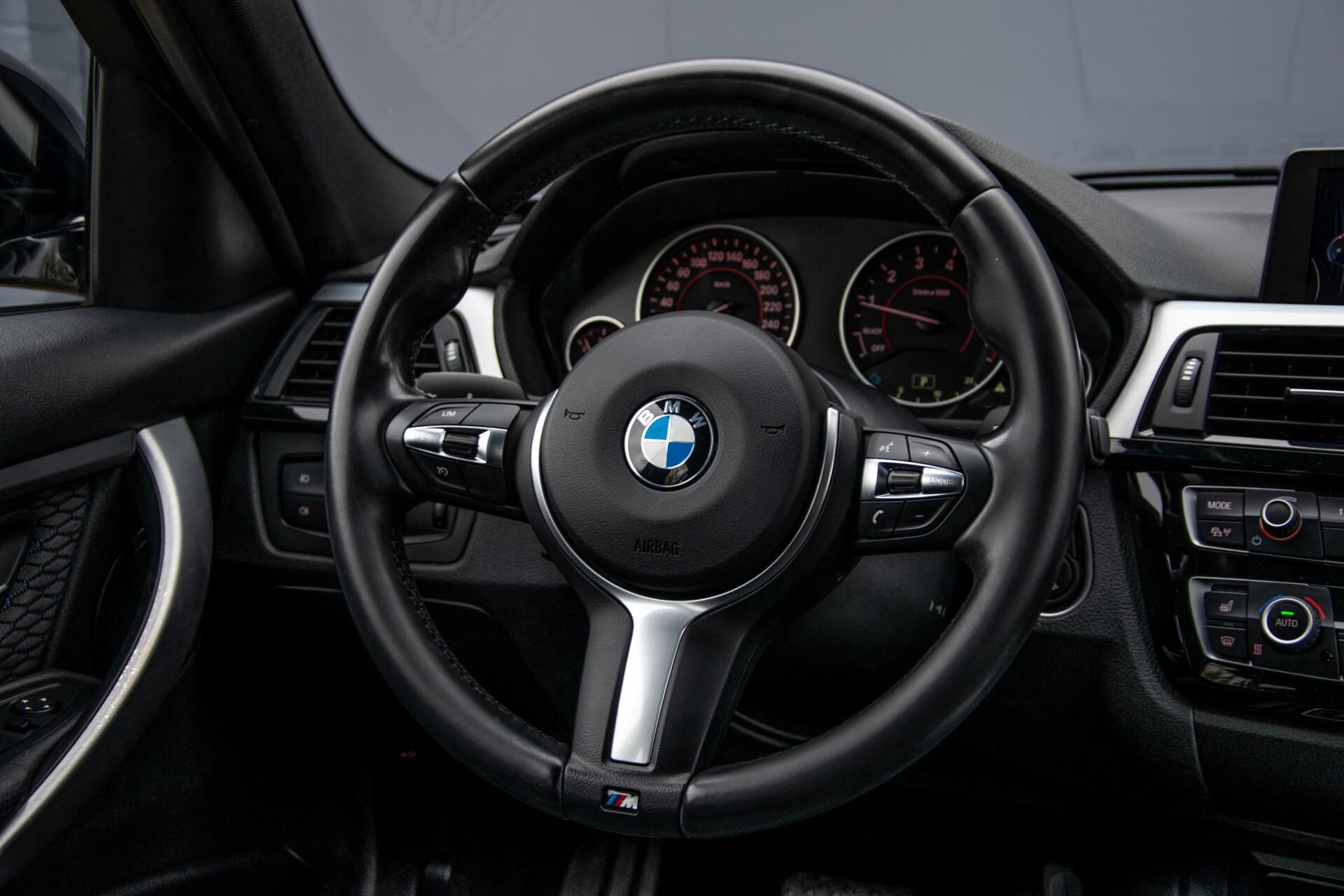 BMW 3 Serie Touring 316i M-Sportpakket Executive NL Auto/NAP Aut8 Foto 9