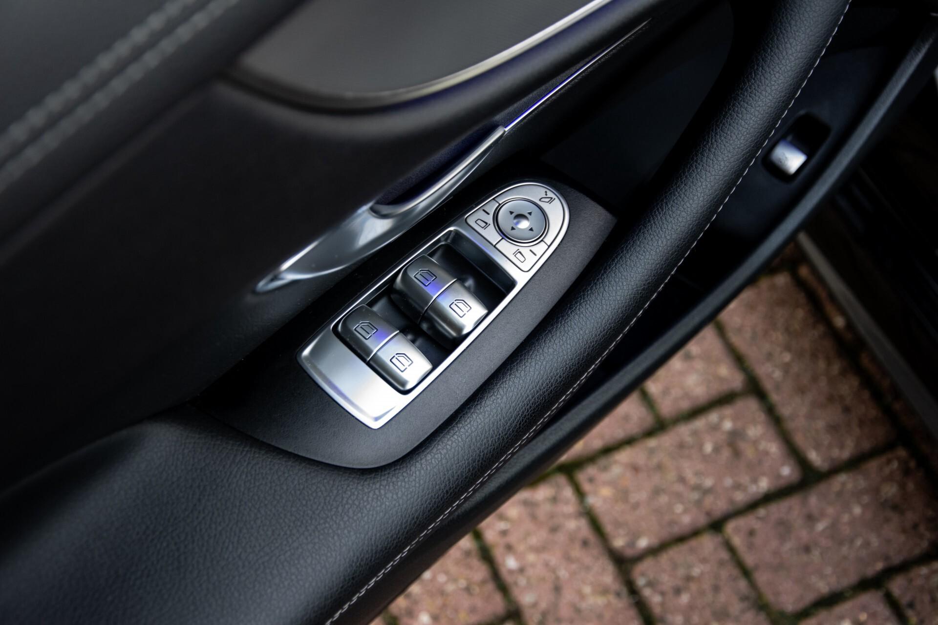 Mercedes-Benz E-Klasse Coupé 200 AMG Panorama/Night/Carbon/Premium/Widescreen/ILS Aut9 Foto 17