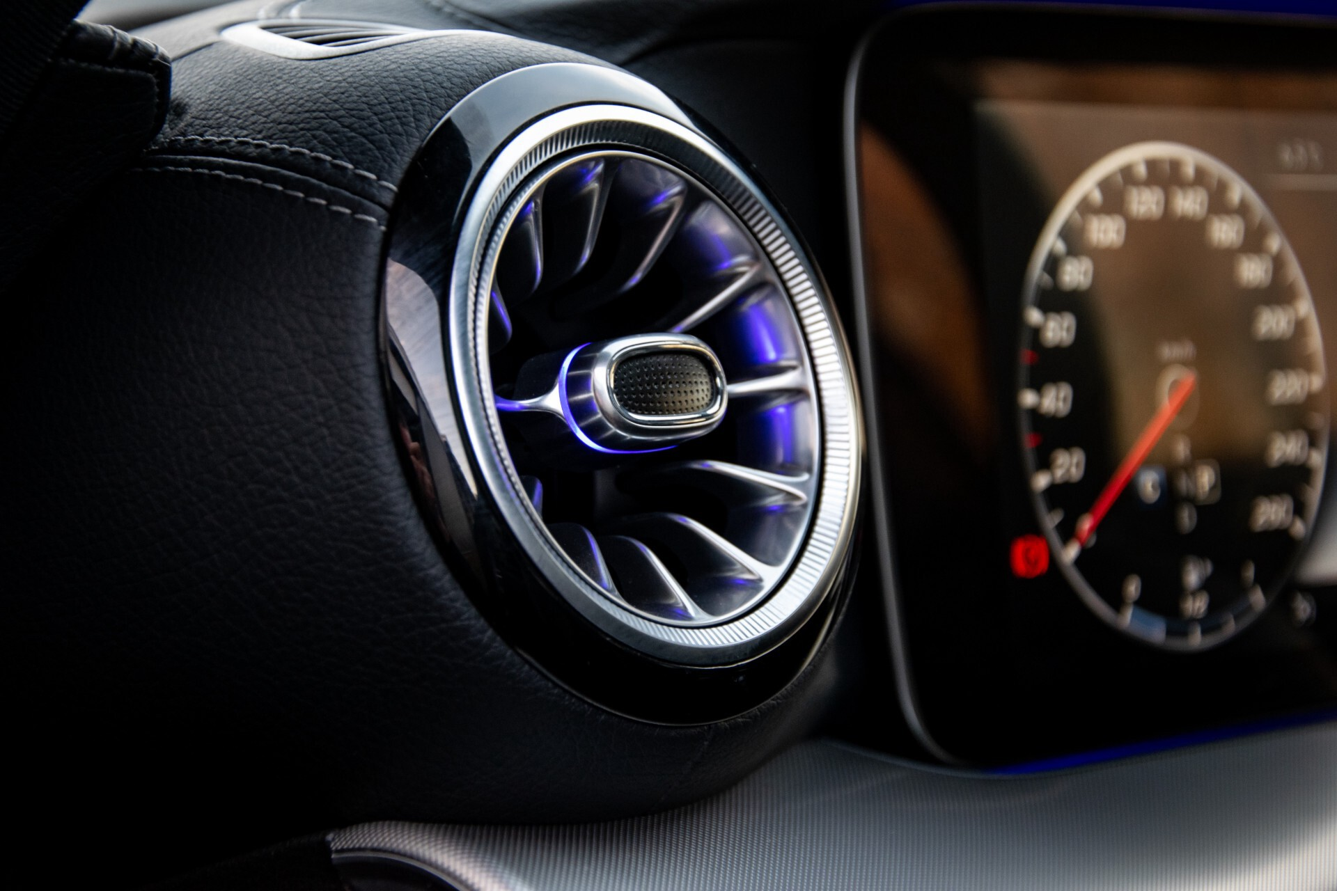 Mercedes-Benz E-Klasse Coupé 200 AMG Panorama/Night/Carbon/Premium/Widescreen/ILS Aut9 Foto 31