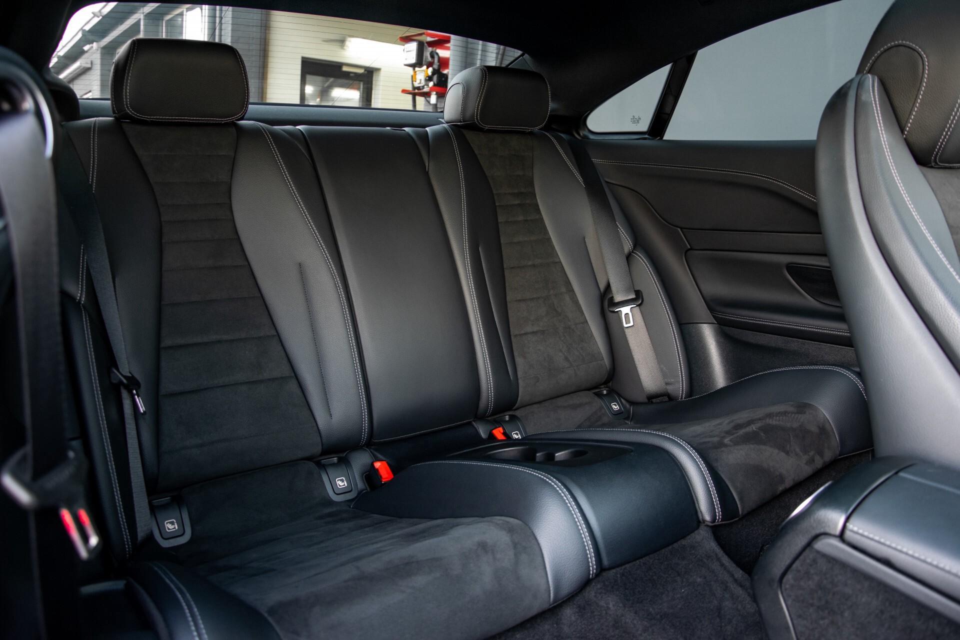 Mercedes-Benz E-Klasse Coupé 200 AMG Panorama/Night/Carbon/Premium/Widescreen/ILS Aut9 Foto 4