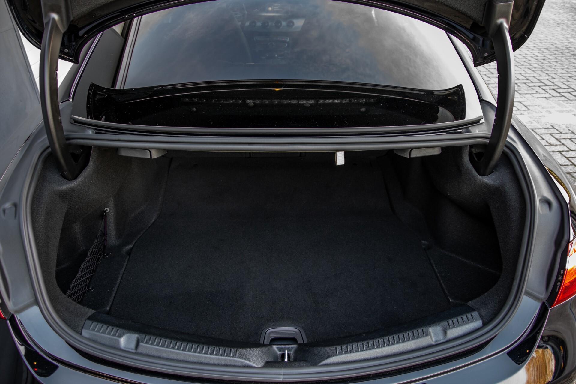 Mercedes-Benz E-Klasse Coupé 200 AMG Panorama/Night/Carbon/Premium/Widescreen/ILS Aut9 Foto 49