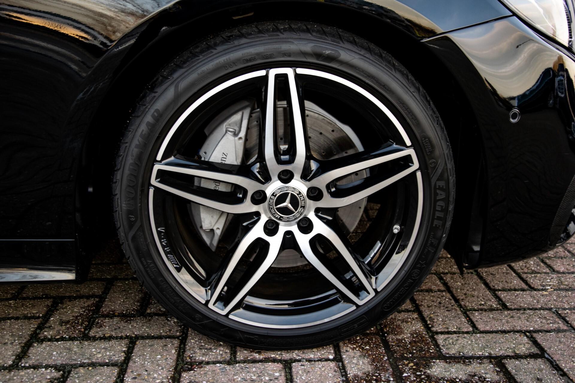 Mercedes-Benz E-Klasse Coupé 200 AMG Panorama/Night/Carbon/Premium/Widescreen/ILS Aut9 Foto 50