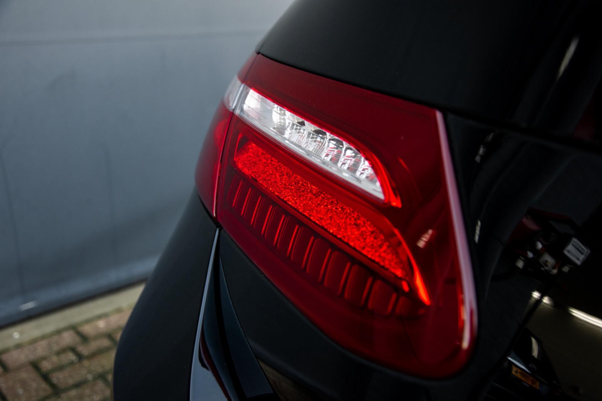 Mercedes-Benz E-Klasse Coupé 200 AMG Panorama/Night/Carbon/Premium/Widescreen/ILS Aut9 Foto 52